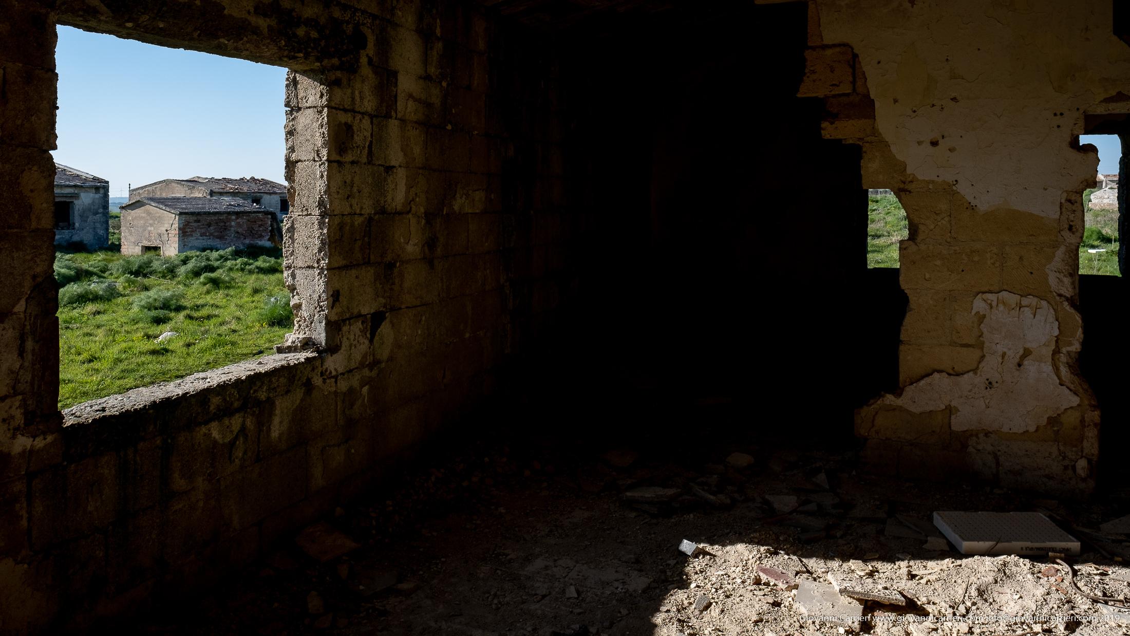 Vista interna degli interni di una casa colonica