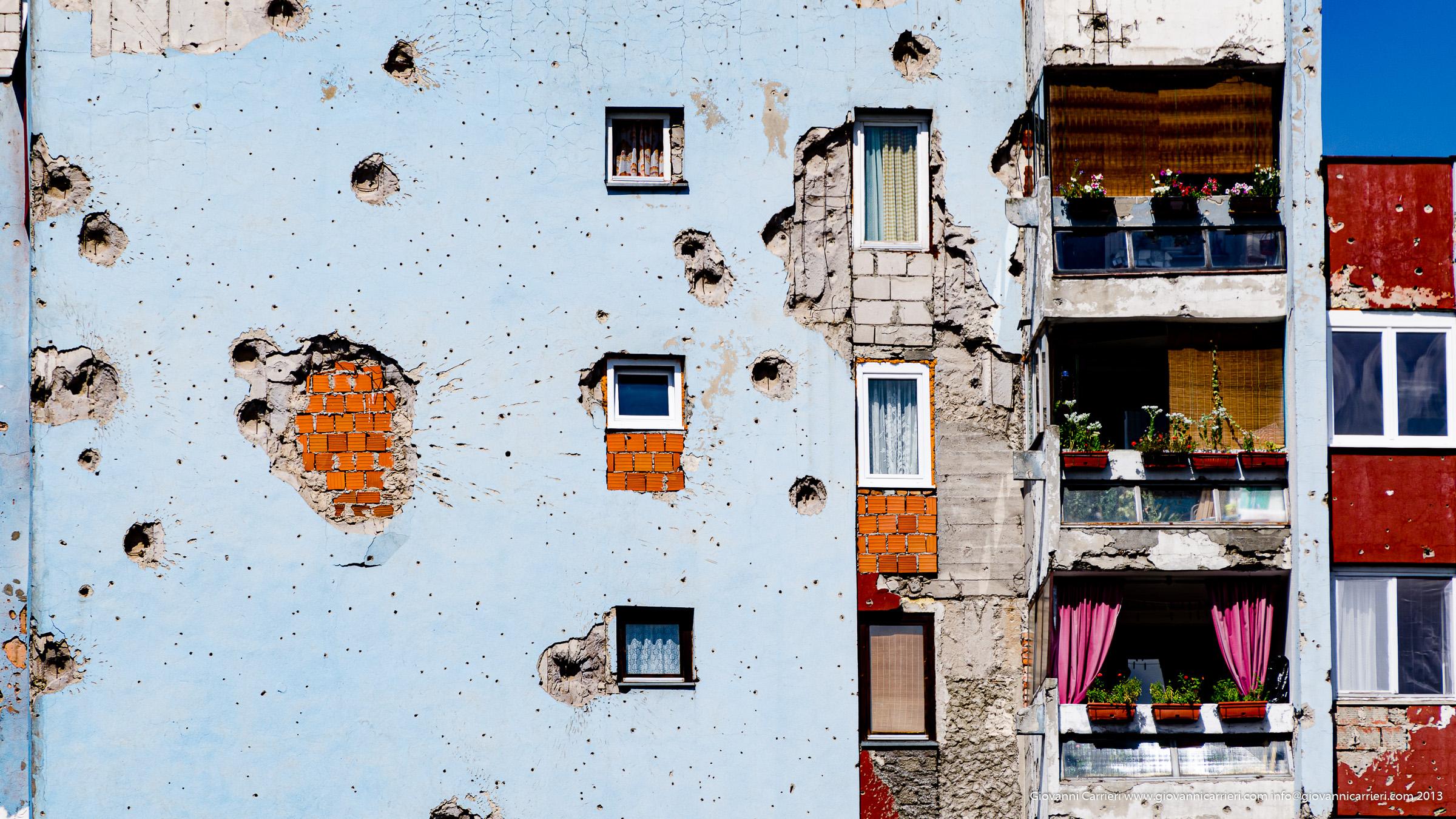Segni di granata in soggiorno