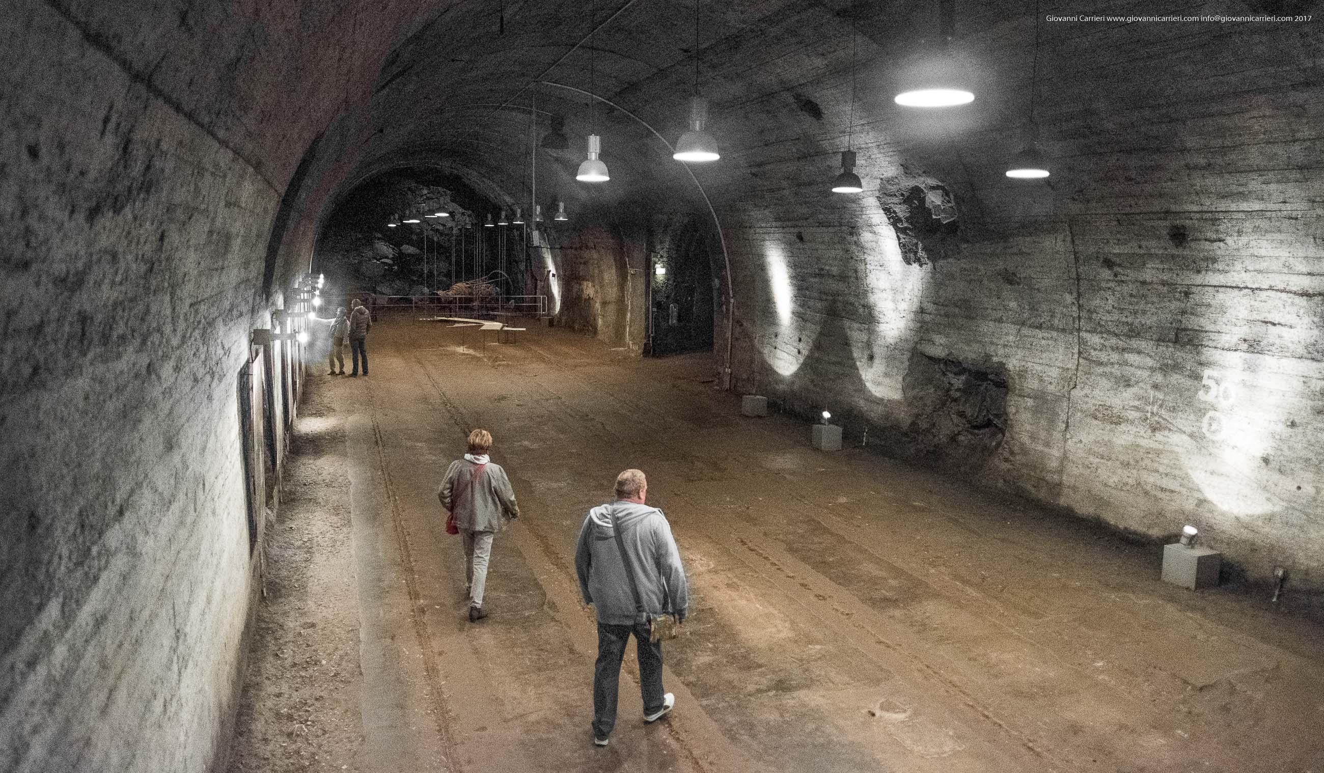 I corridoi sotterranei della fabbrica, Mittelbau-Dora