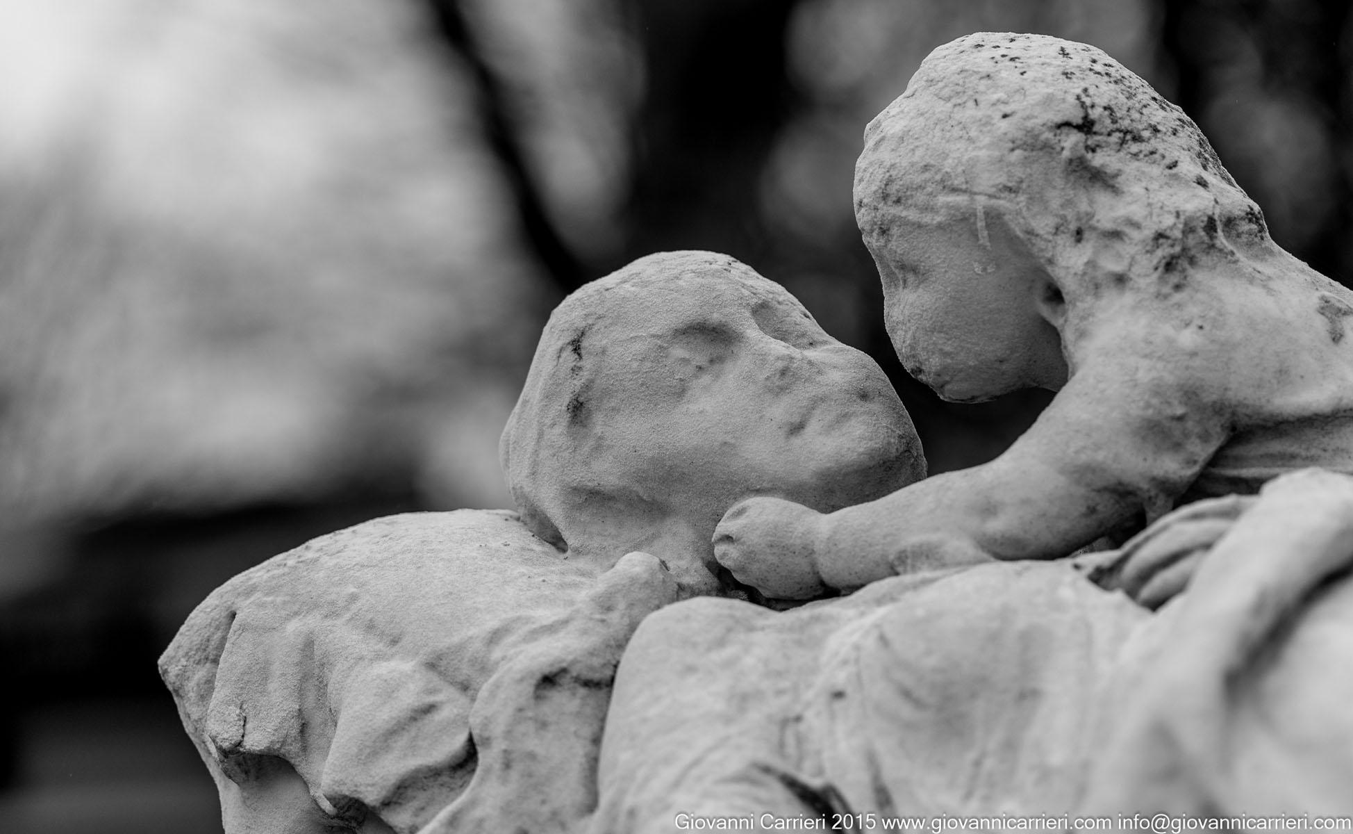 Paricolare della tomba di Josephine Verrazzi