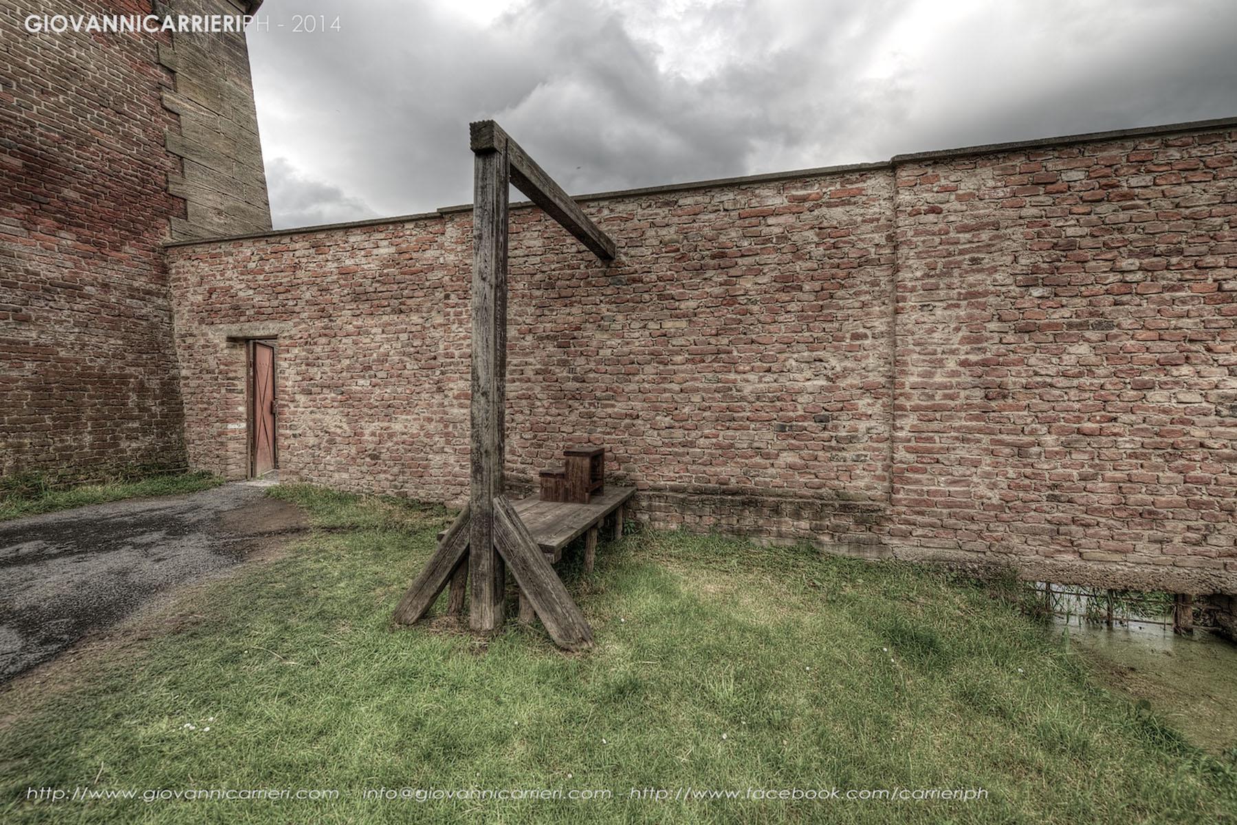 La porta della morte attraverso la quale venivano condotti i condannati alla pena capitale - Theresienstadt