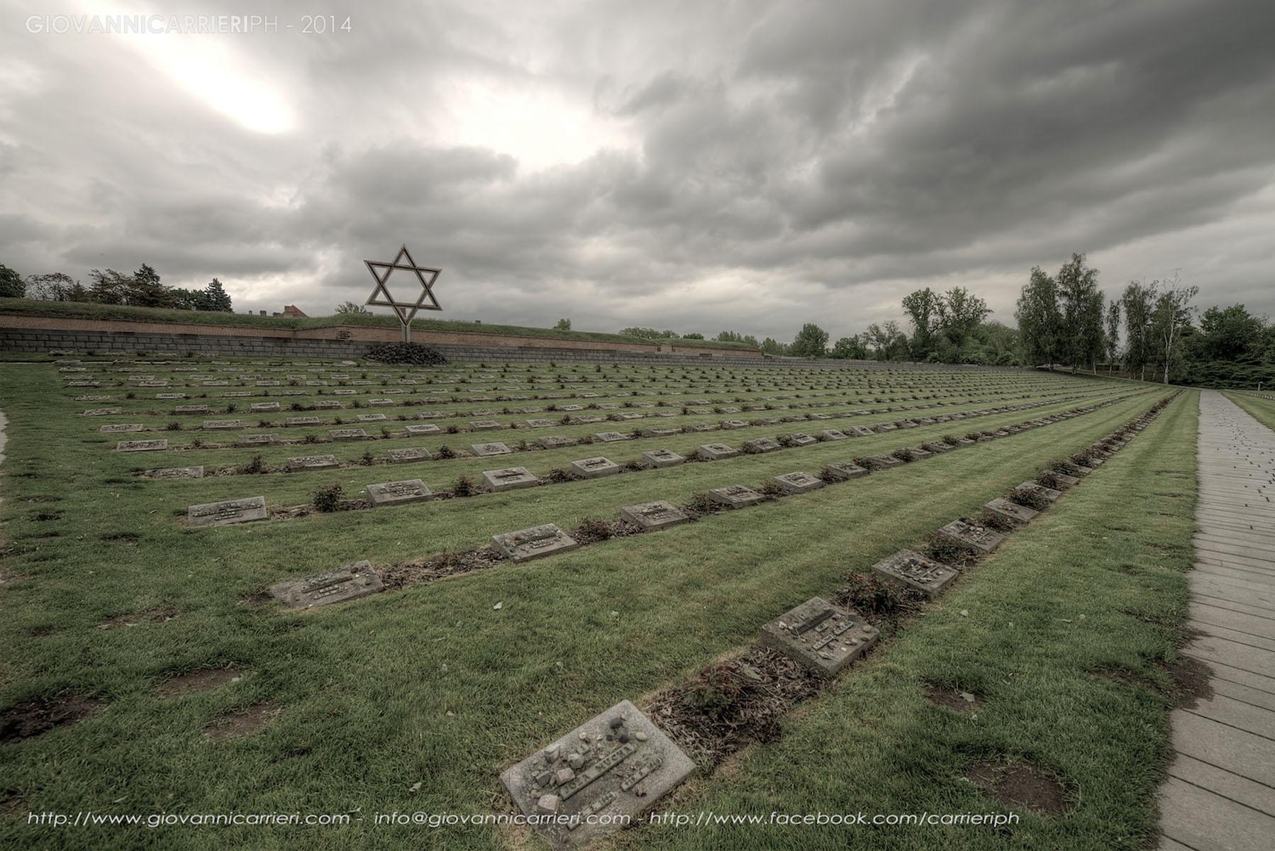 Il Cimitero Nazionale di Theresienstadt - la stella di David