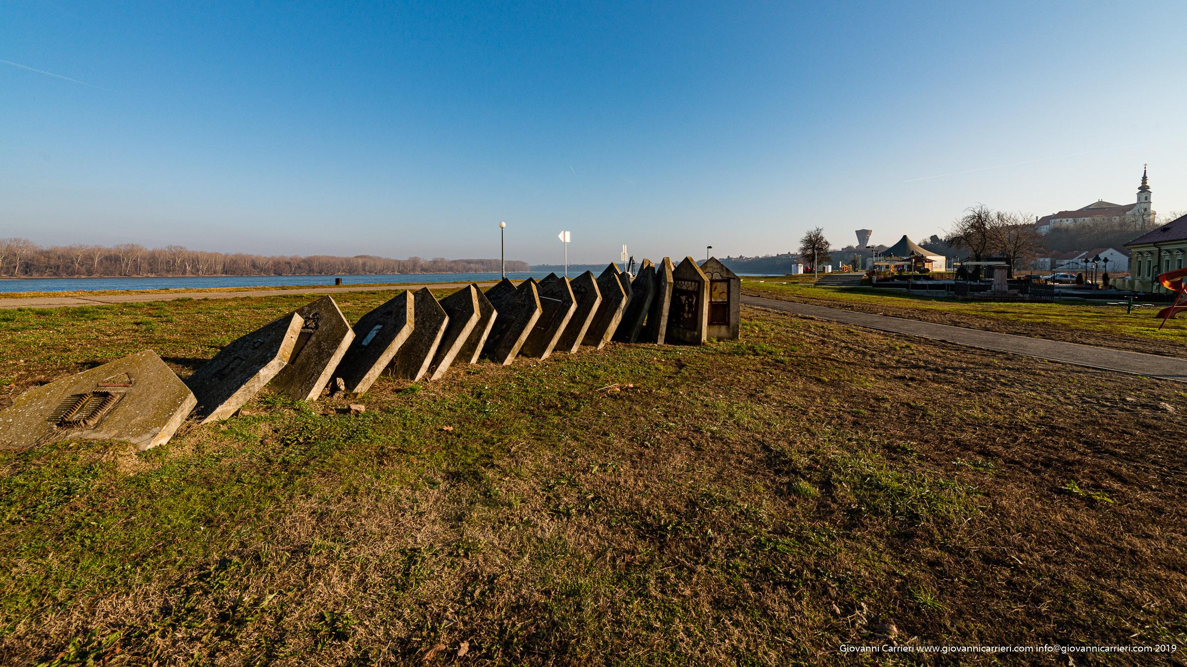 Rappresentazione artistica che ricorda la distruzione della città di Vukovar