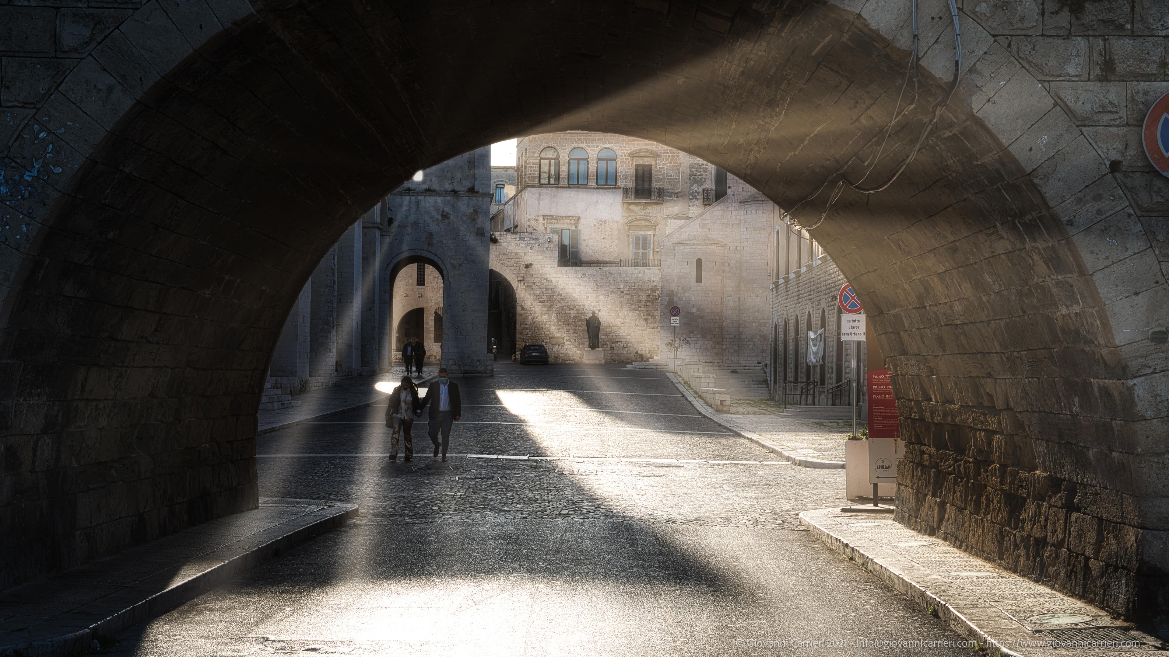 Largo Papa Urbano II a Bari vecchia Nel cuore di Bari vecchia, tra Via Venezia, la Muraglia e la Basilica di San Nicola