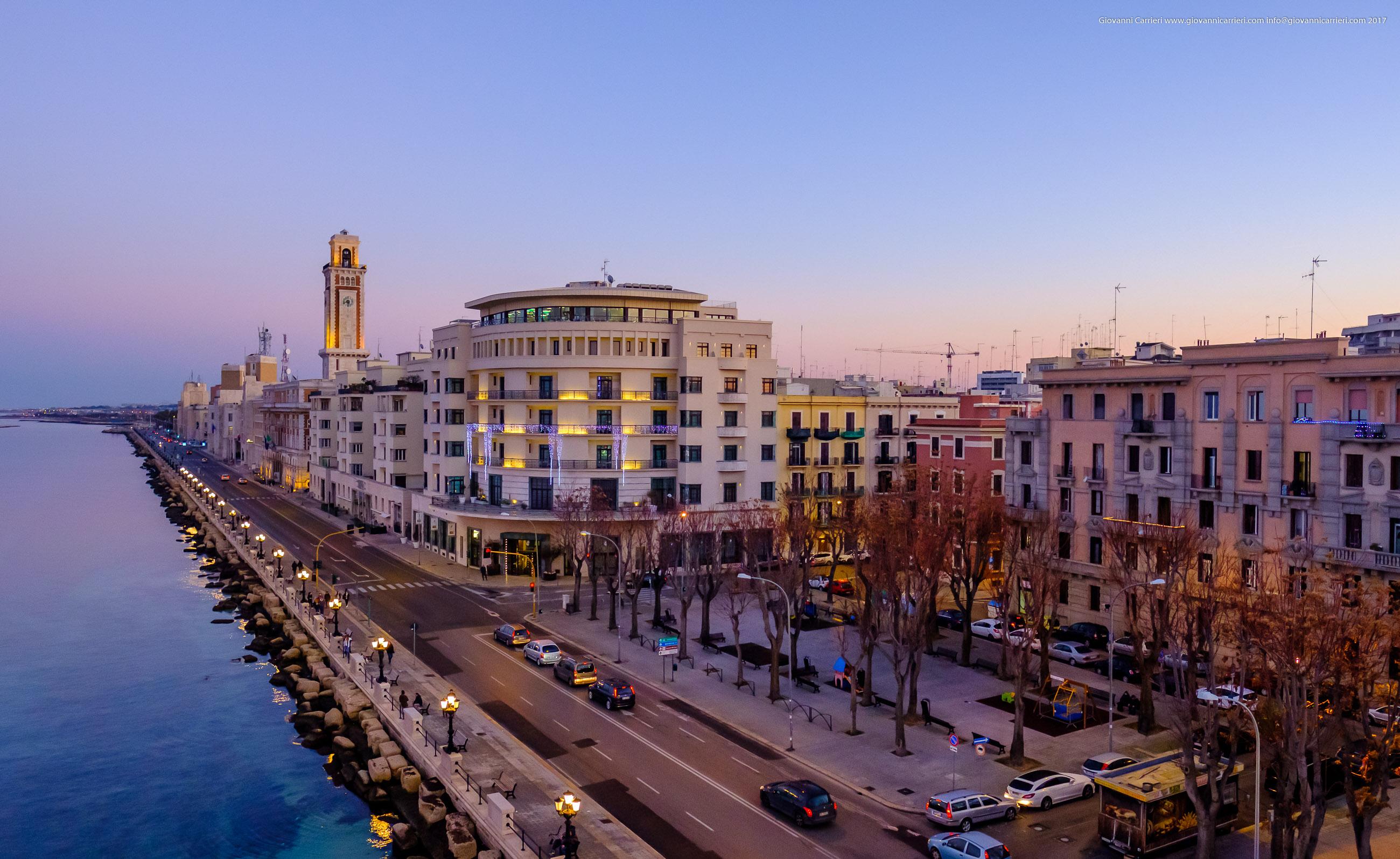 Vista dell'albergo delle nazioni sul lungomare, Bari