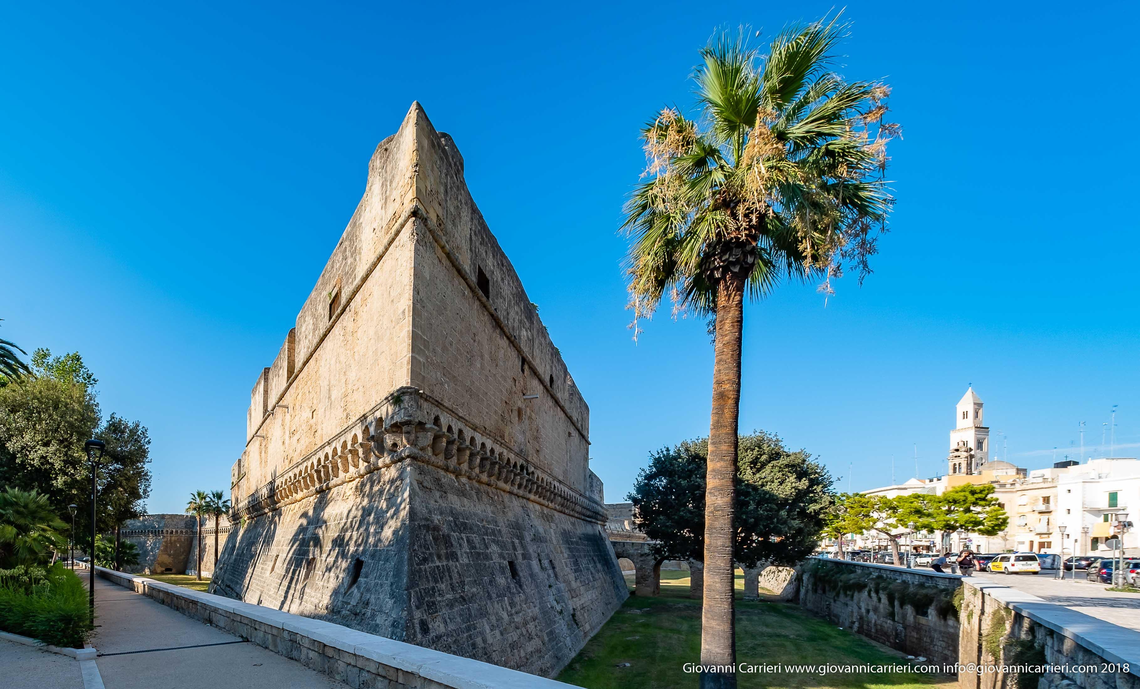 Il Castello Normanno ed il suo Fossato, Bari
