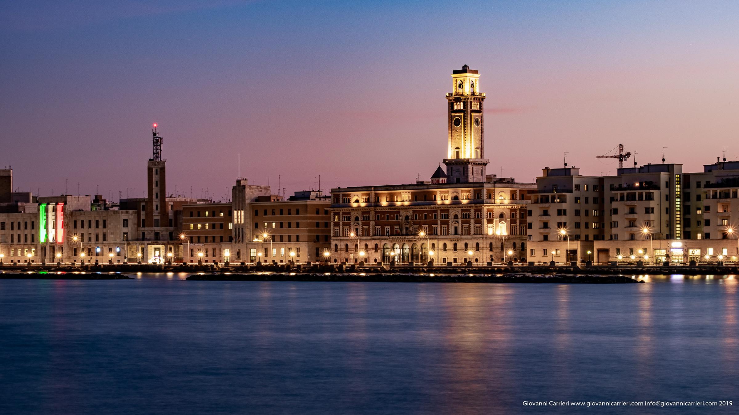Il lungomare e la Pinacoteca di Bari