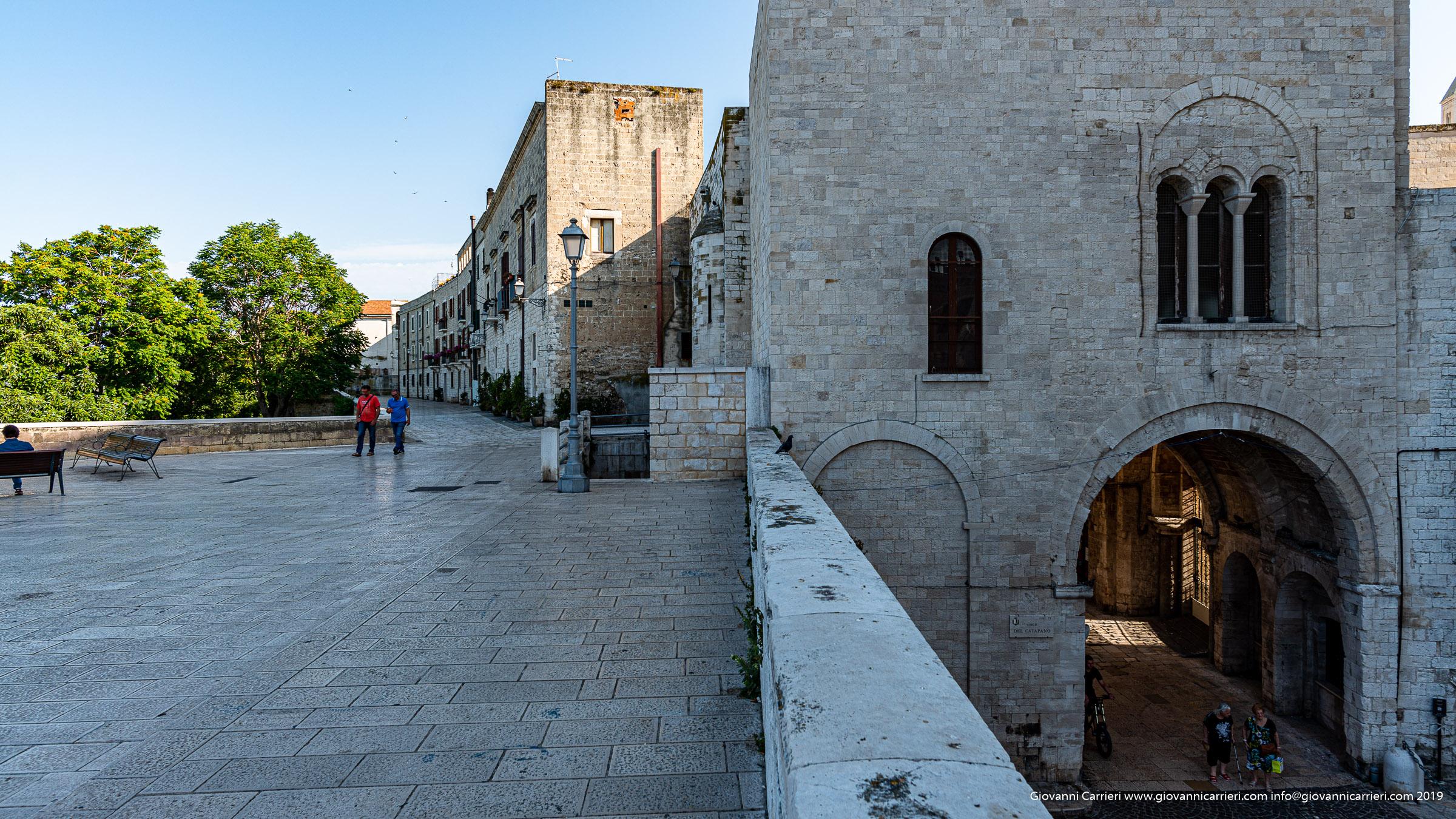 Bari vecchia, lungo la muraglia