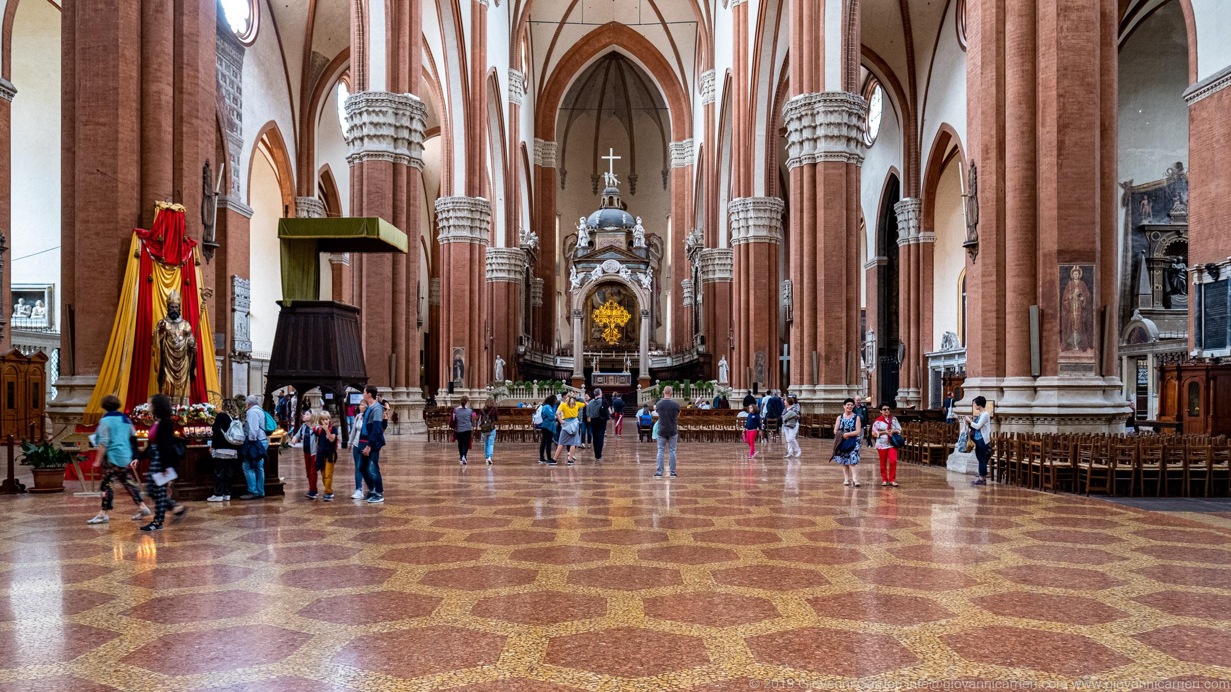 Interno della Basilica di San Petronio