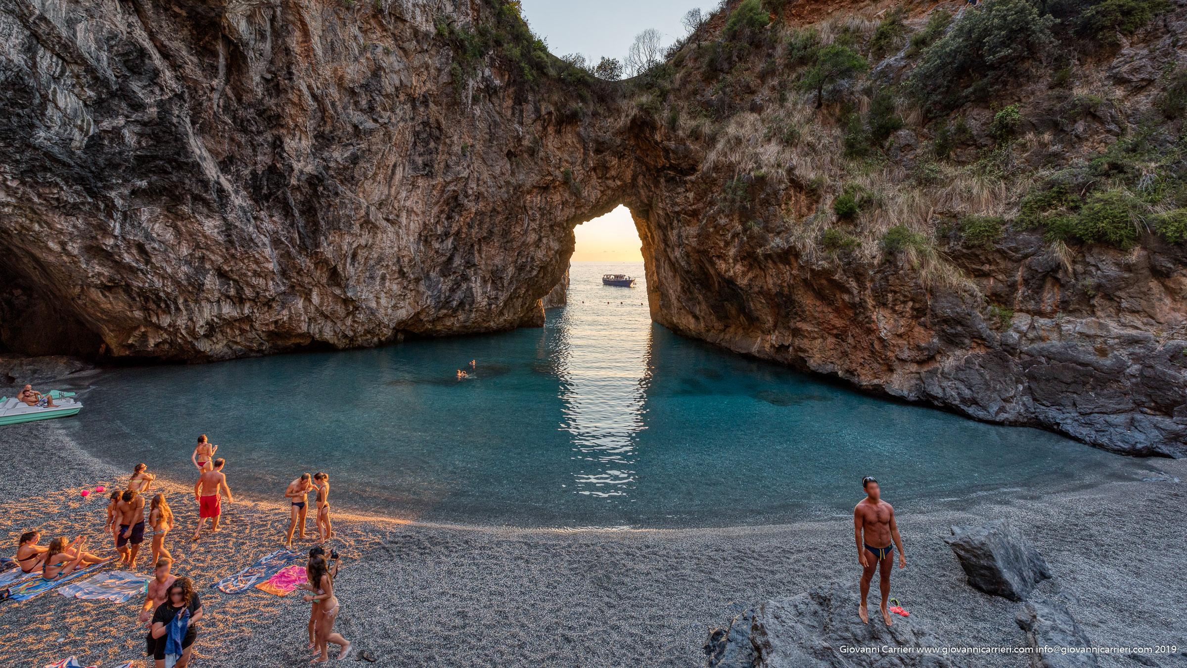 La volta dell'Arcomagno e la spiaggia.
