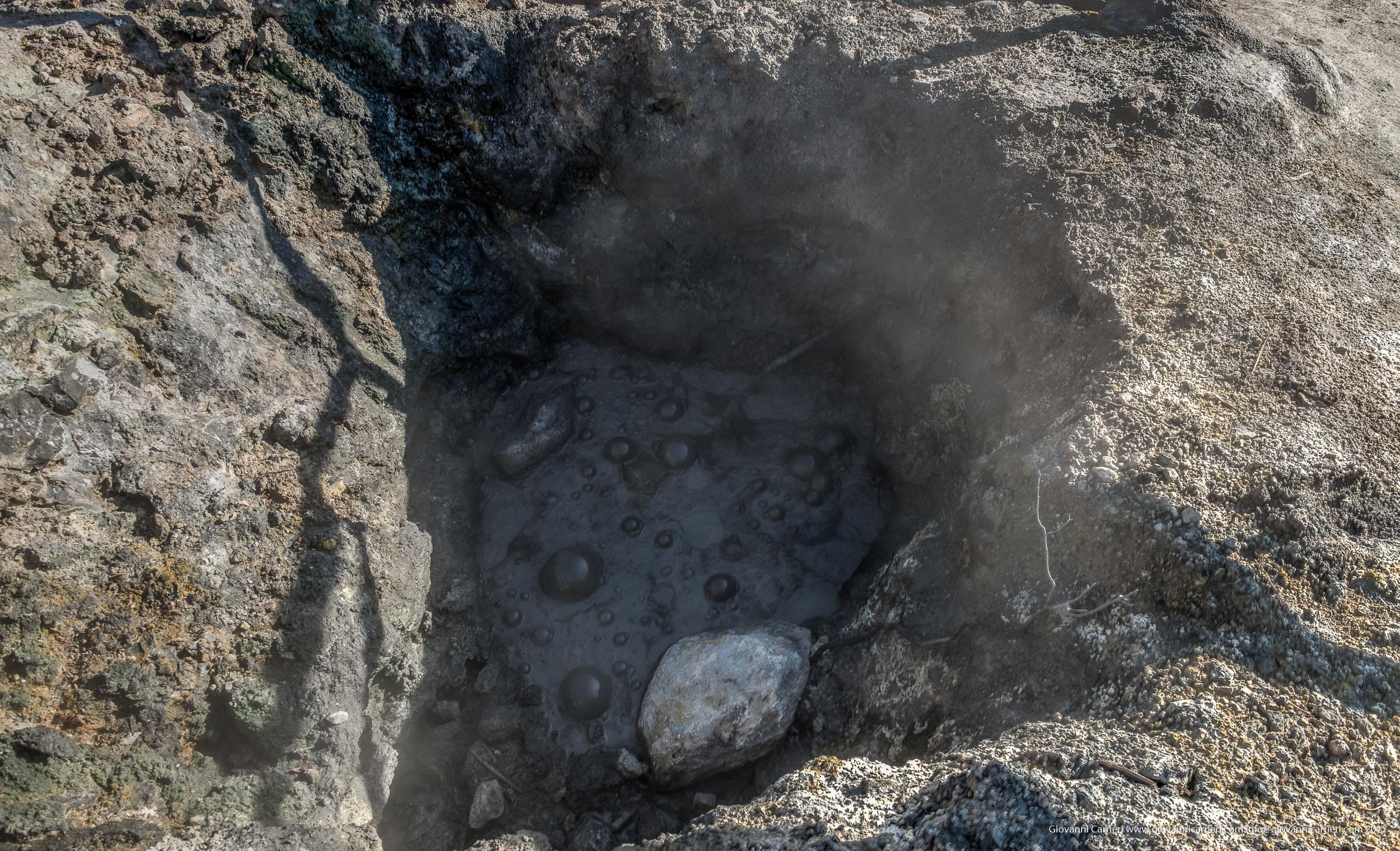 I fanghi nella solfatara di Pozzuoli