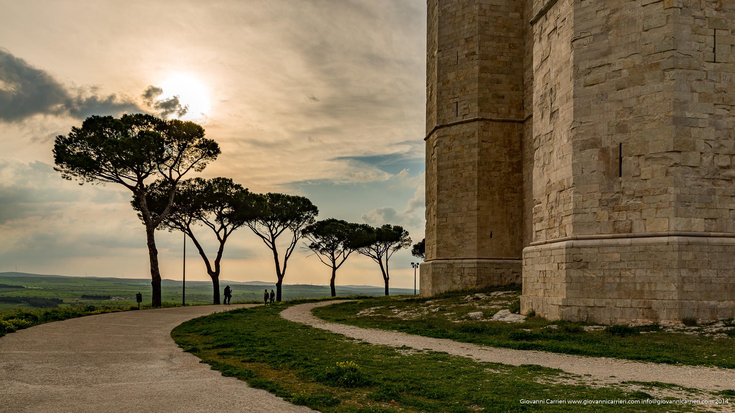 Castel del monte tra le nuvole, Puglia