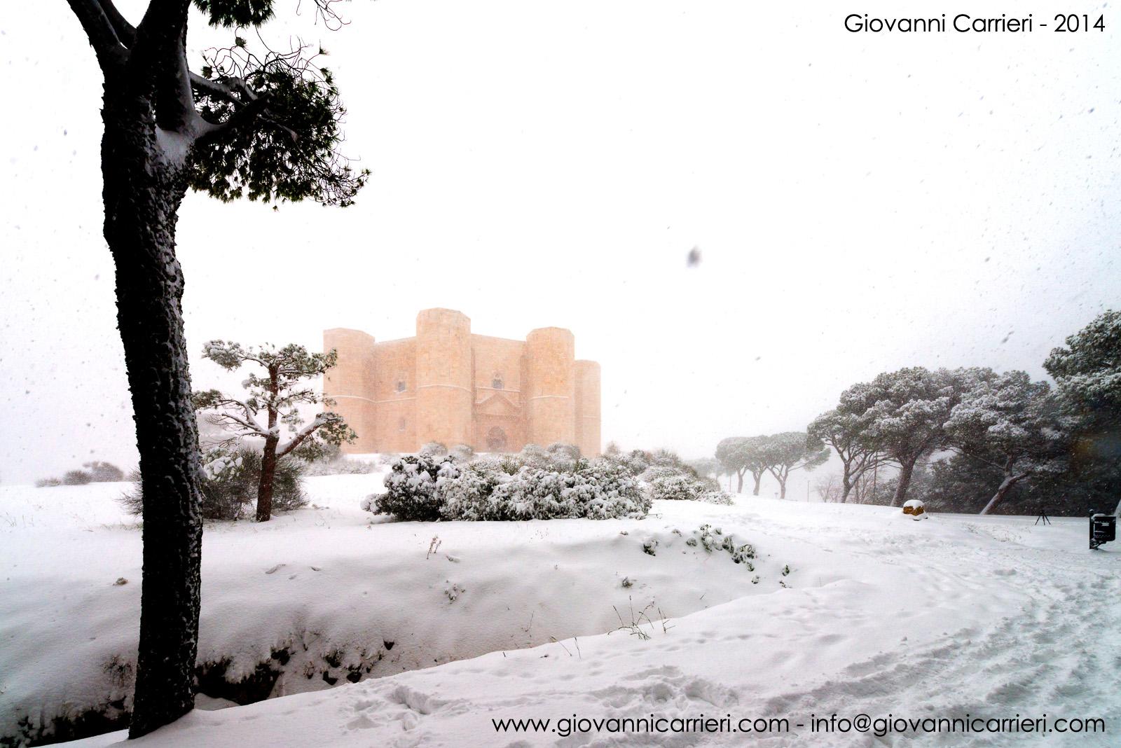 Nevicata su Castel del Monte