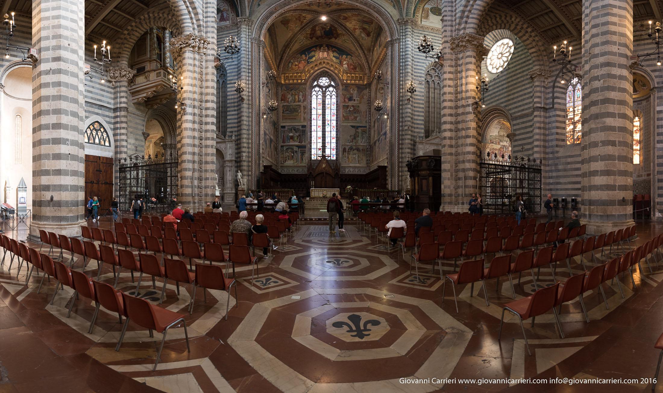 Panoramica dell'altare del Duomo di Orvieto