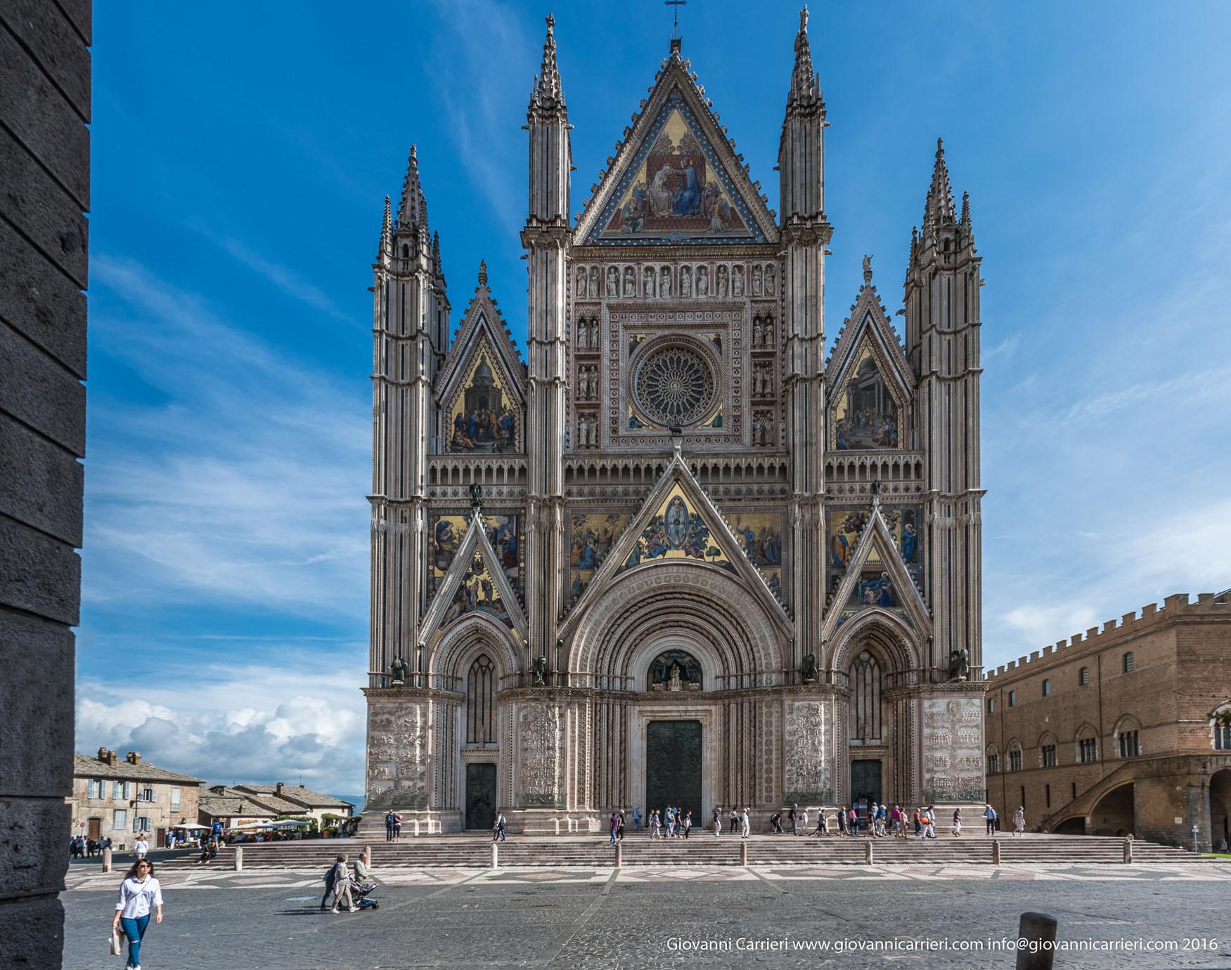Il Duomo di Orvieto, vista frontale