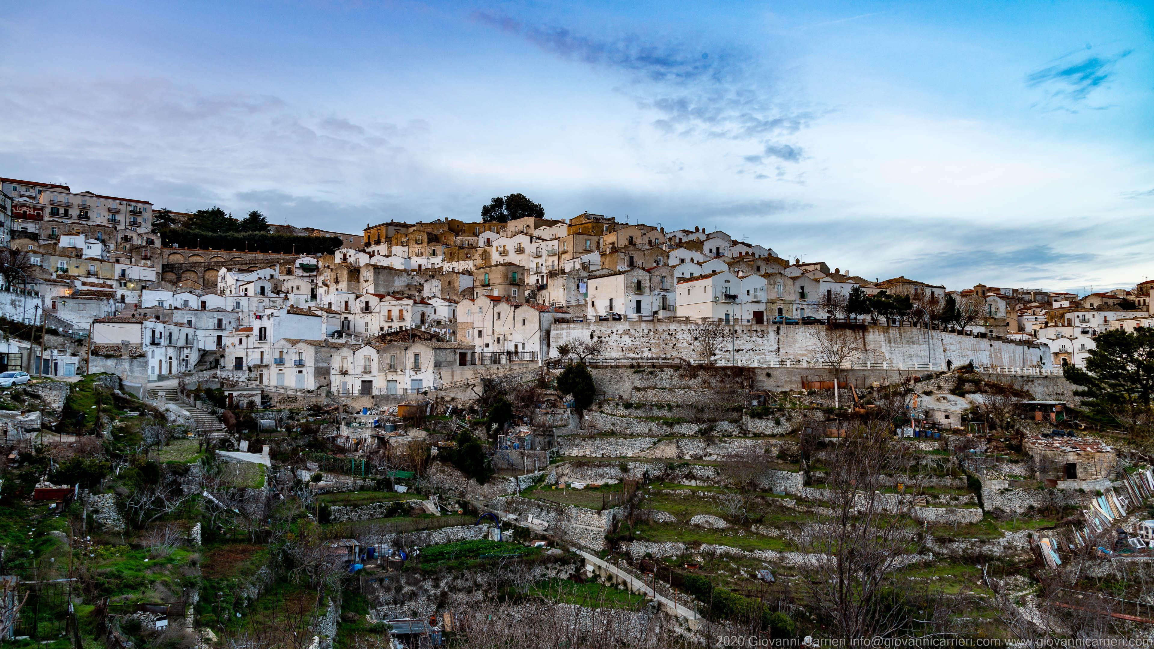 Panoramica di Monte Sant'Angelo, visto da sud