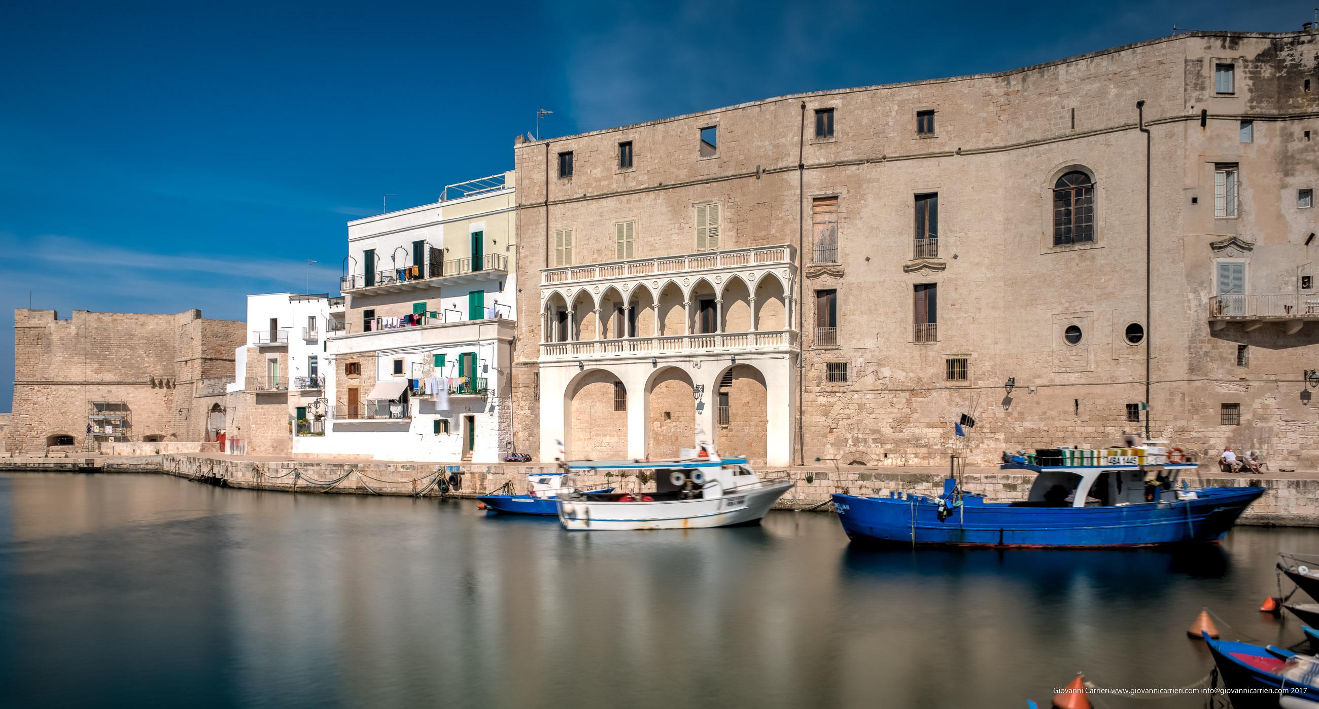 Palazzo Martinelli visto dal porto antico