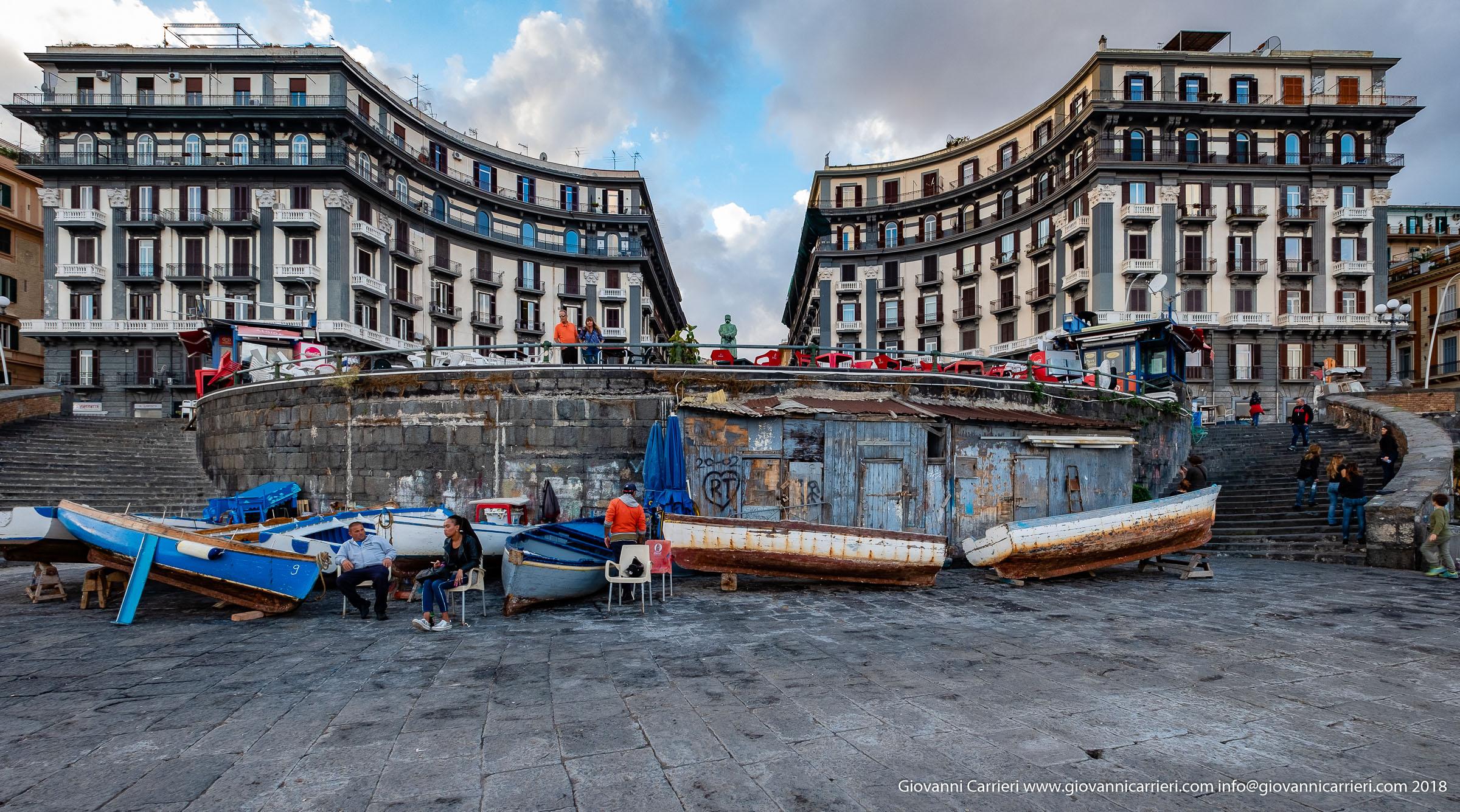 La rotonda di via Nazario Sauro, Napoli