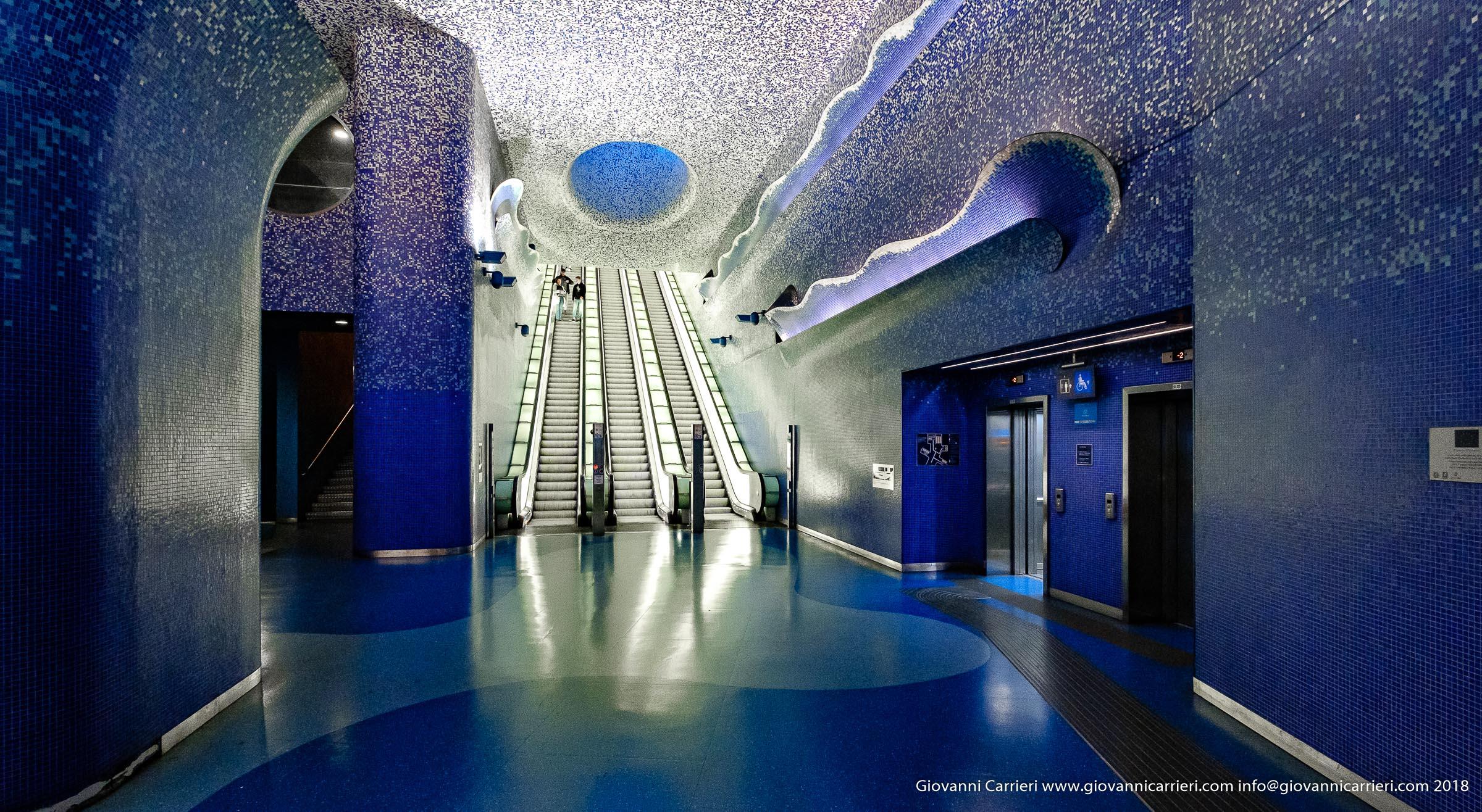 The revolving stairs of the Toledo underground stop