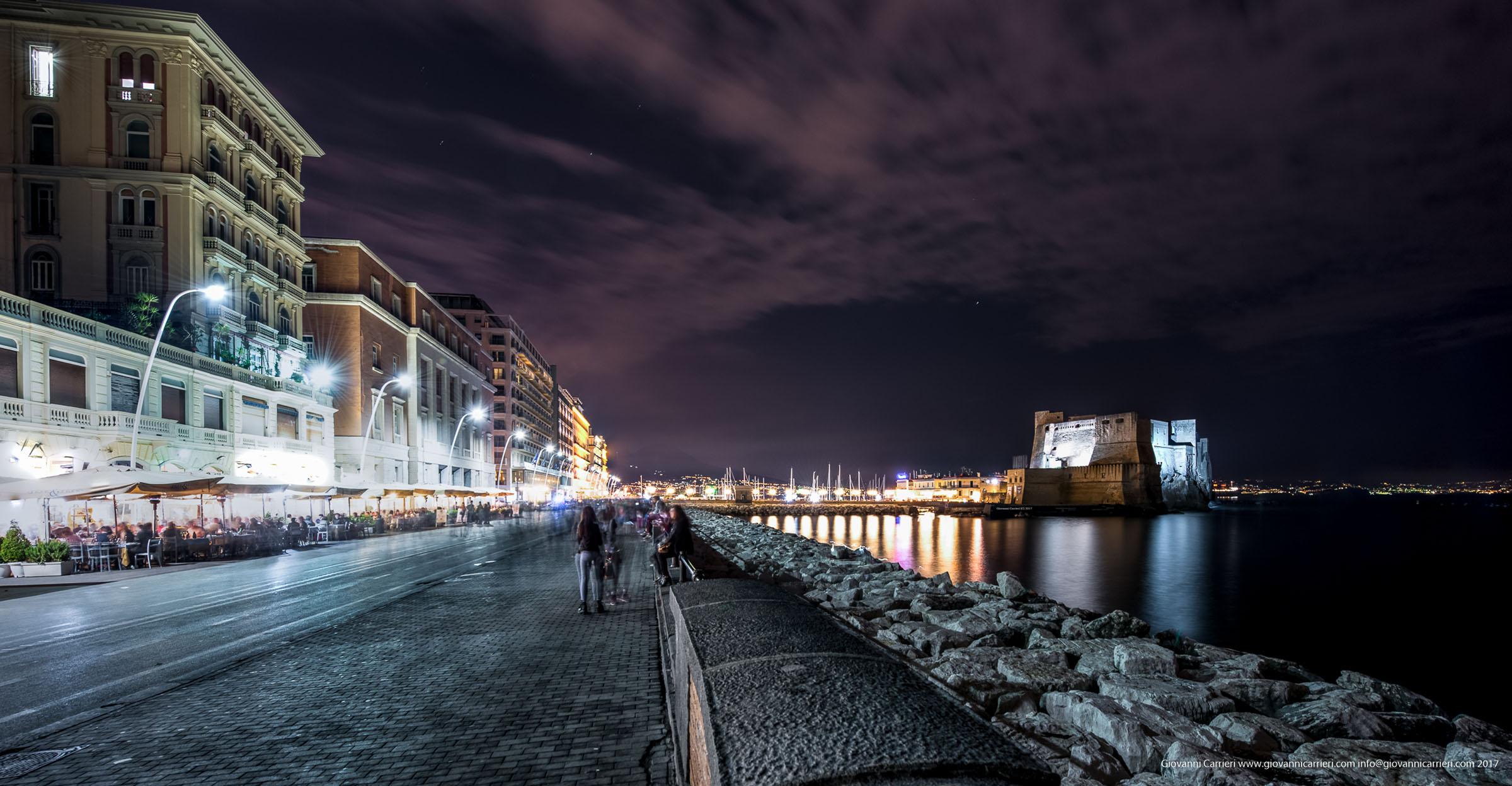 Via Nazario Sauro di notte, Napoli