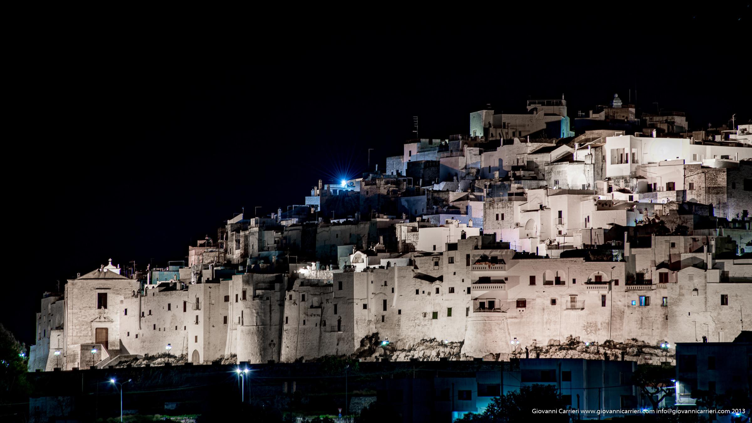 Panoramica notturna su Ostuni - Puglia