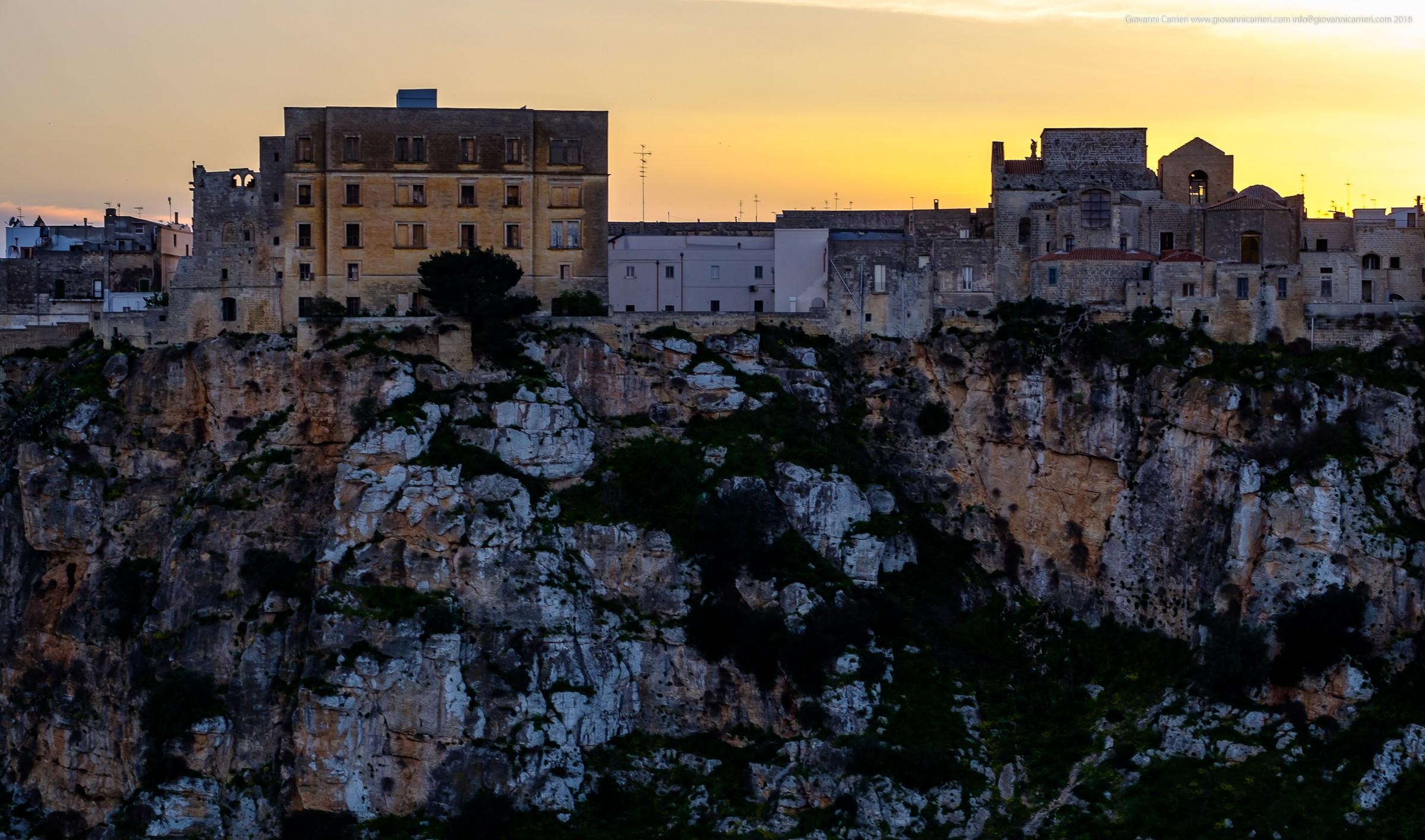 Il centro storico di Castellaneta visto dalla gravina