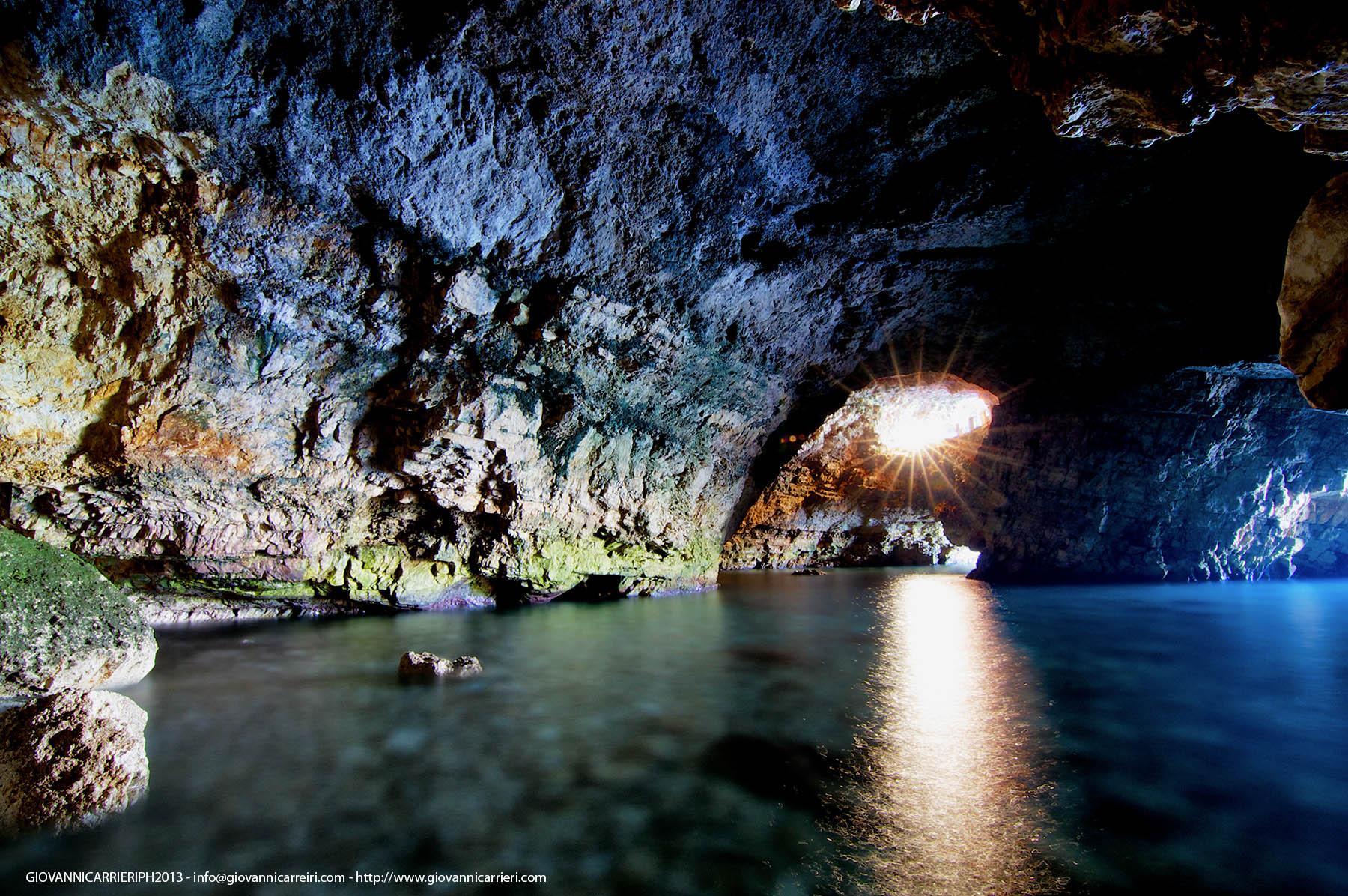 Vista interna di Grotta Palazzese