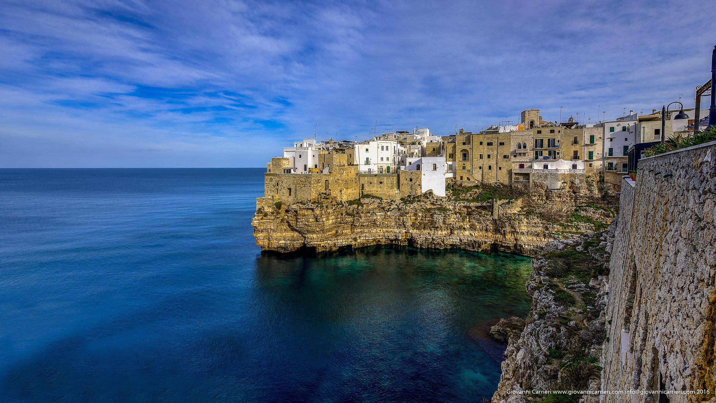 Azzurro, cielo e mare a Polignano a Mare