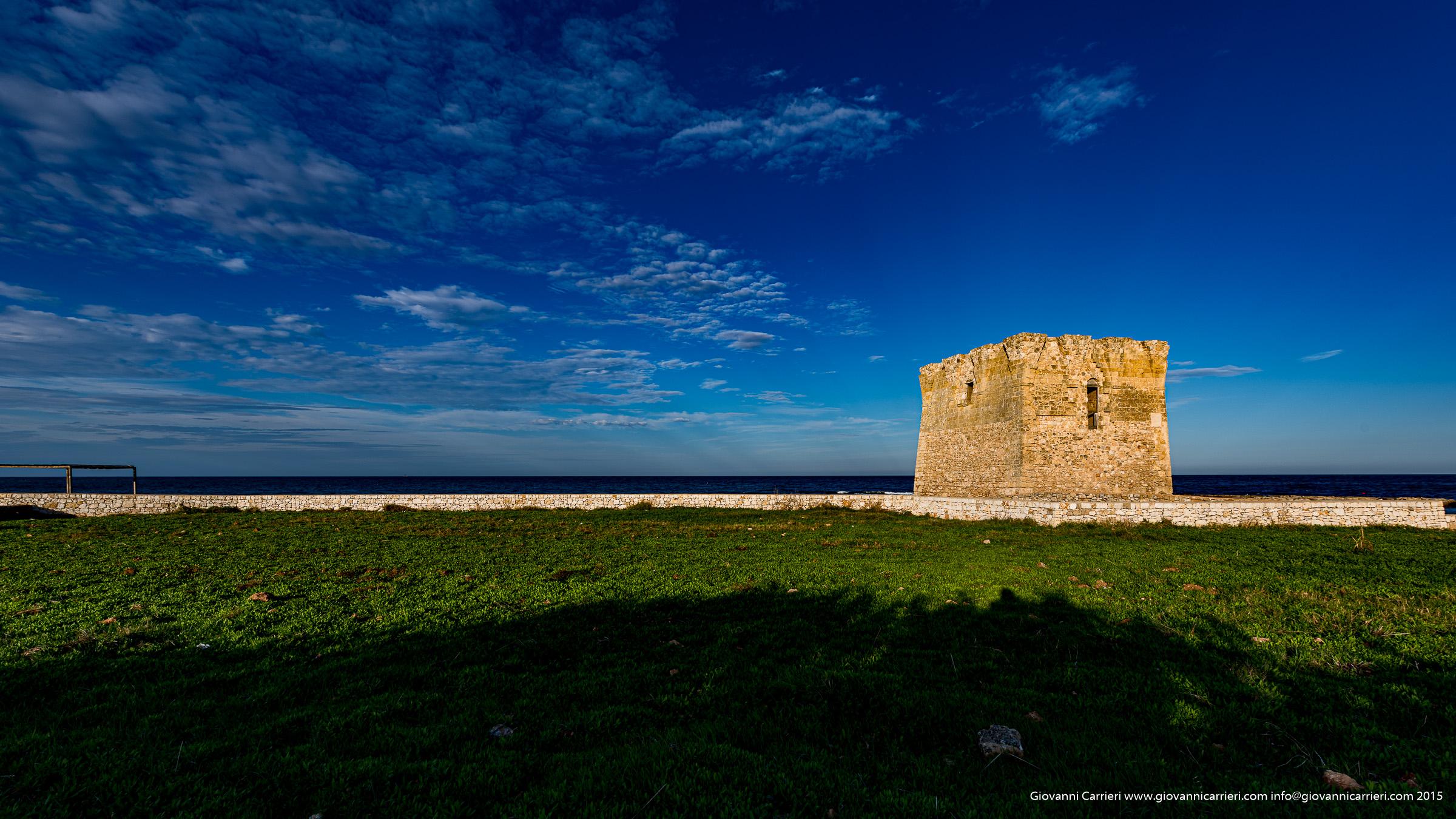 San Vito, la torre ed il mare di Polignano a Mare