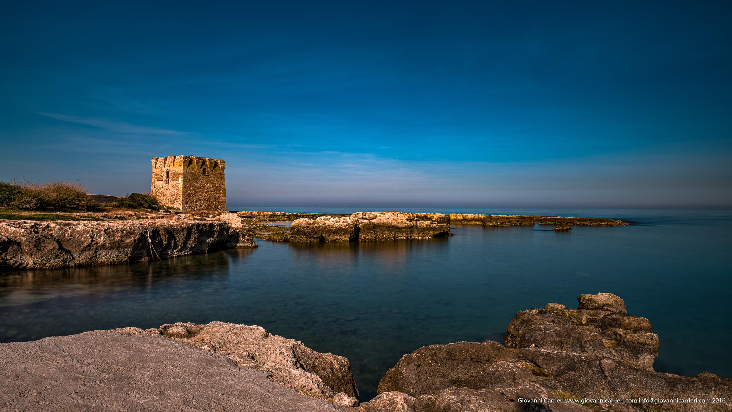 La torre saracena di Polignano a Mare posta a difesa dell'abbazia di San Vito
