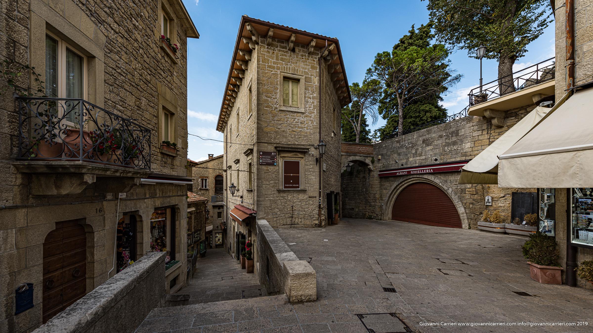 Le strade del centro storico di San Marino