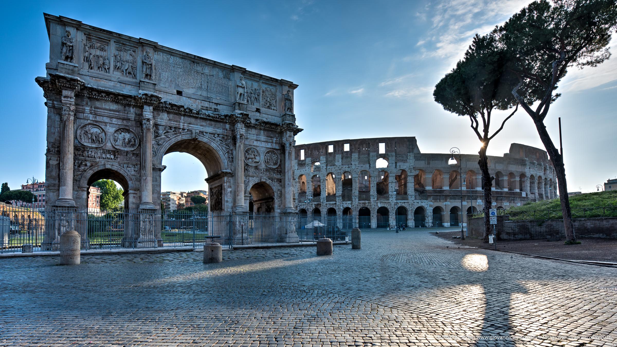 L'Arco di Costantino ed il Colosseo all'alba
