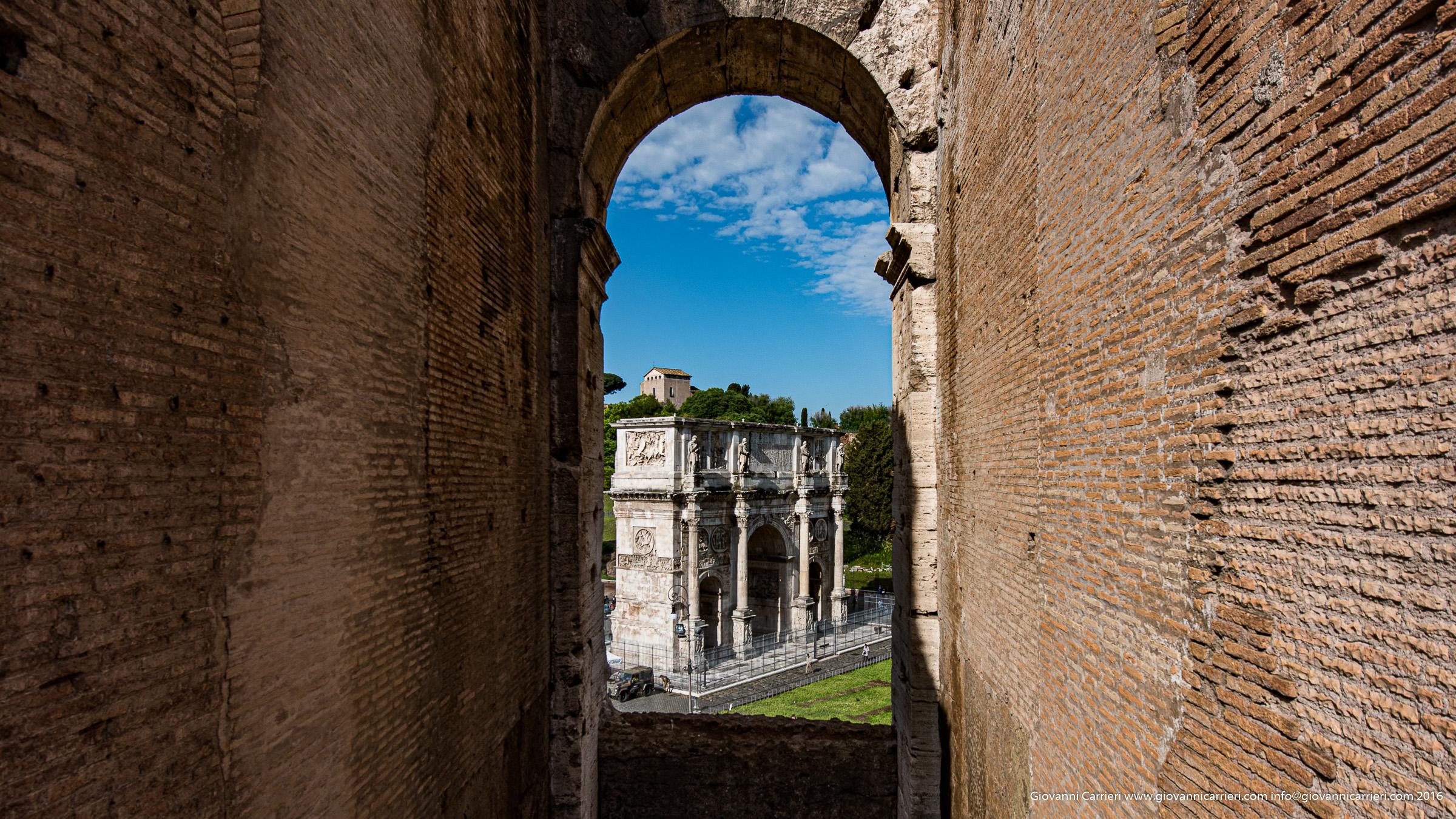 L'Arco di Costantino visto dal Colosseo