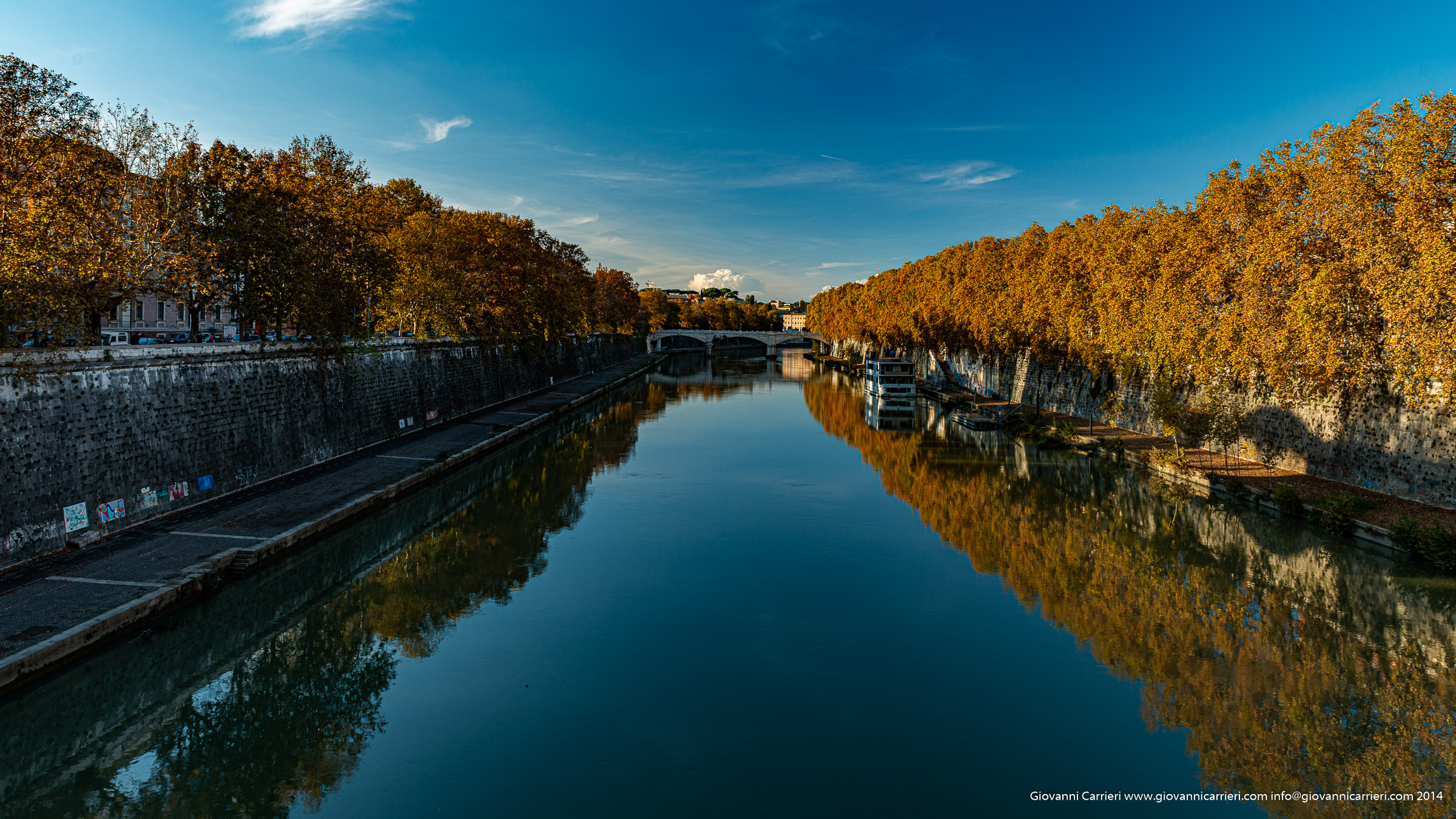 The Tevere river at sunset