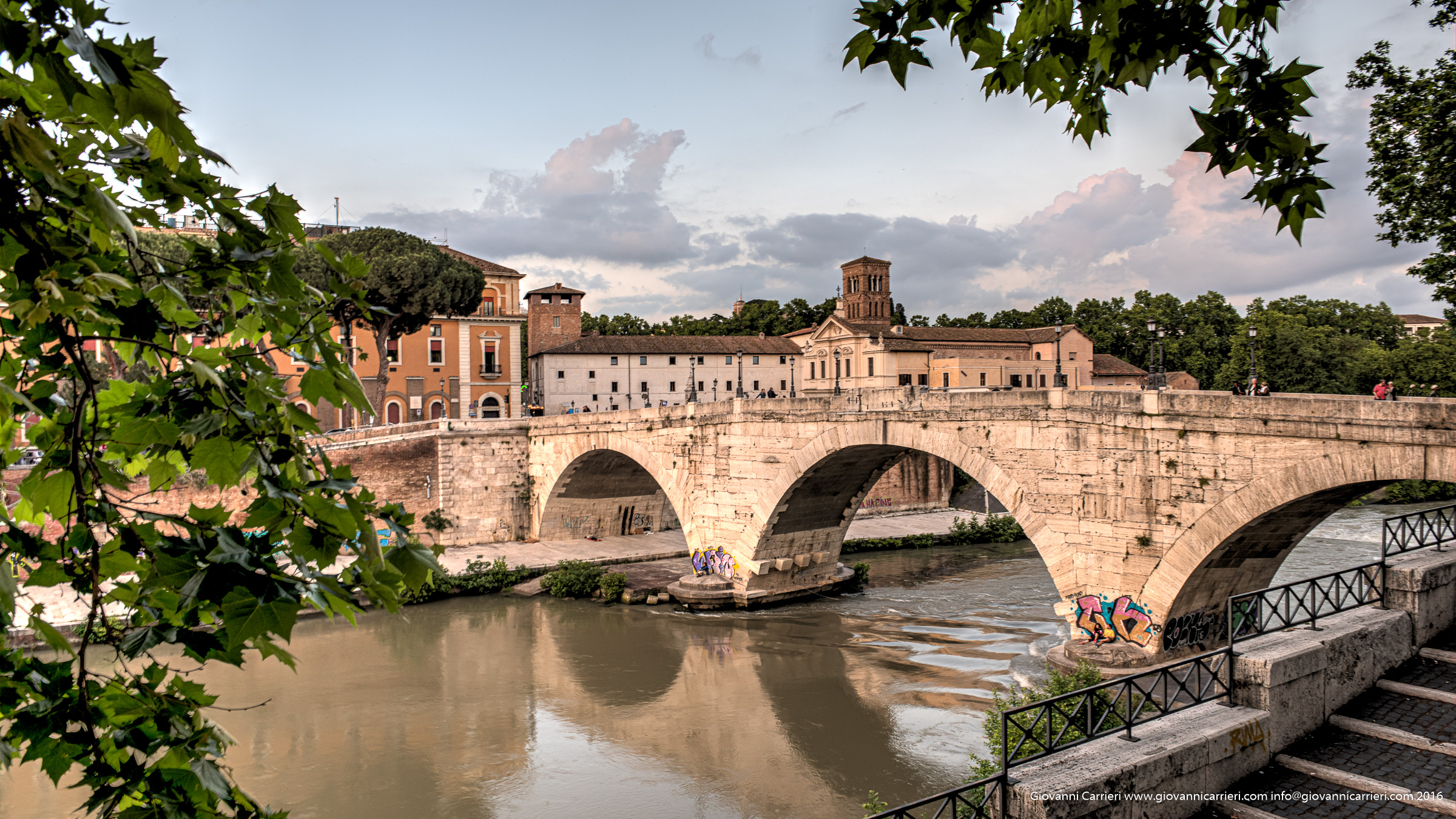 L'isola Tiberina ed il Ponte Cestio, Roma