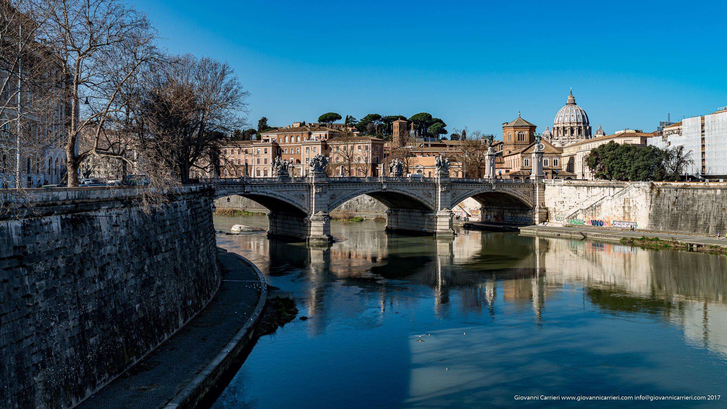 Il ponte Vittorio Emanuele II ed il Tevere