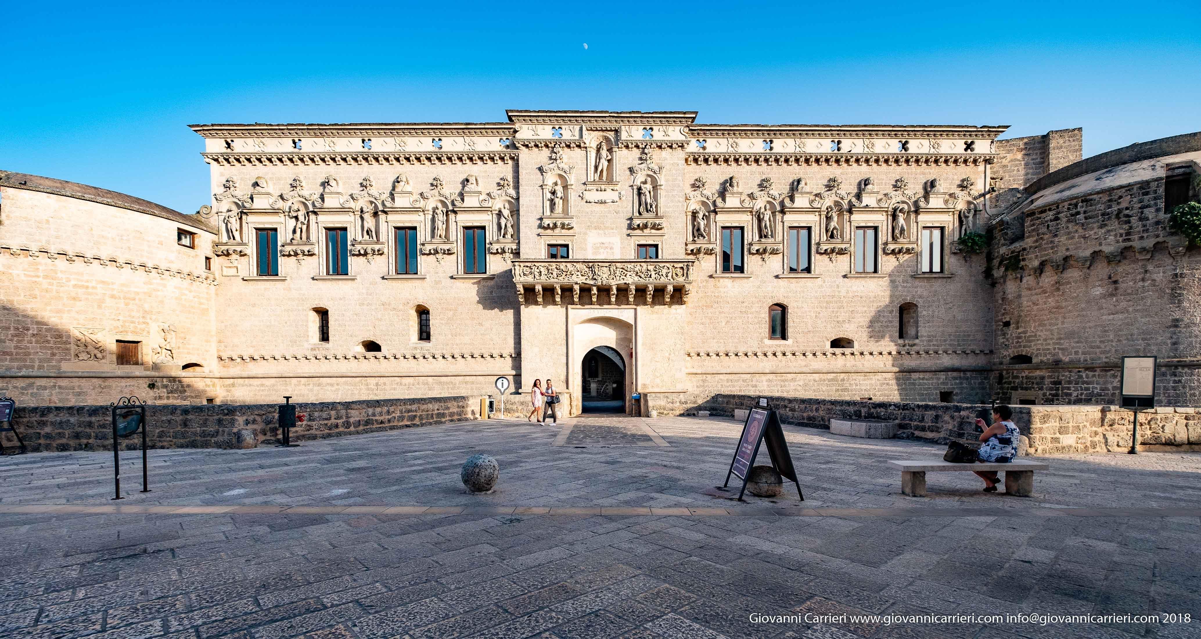 Vista frontale del Castello de Monti di Corigliano d'Otranto