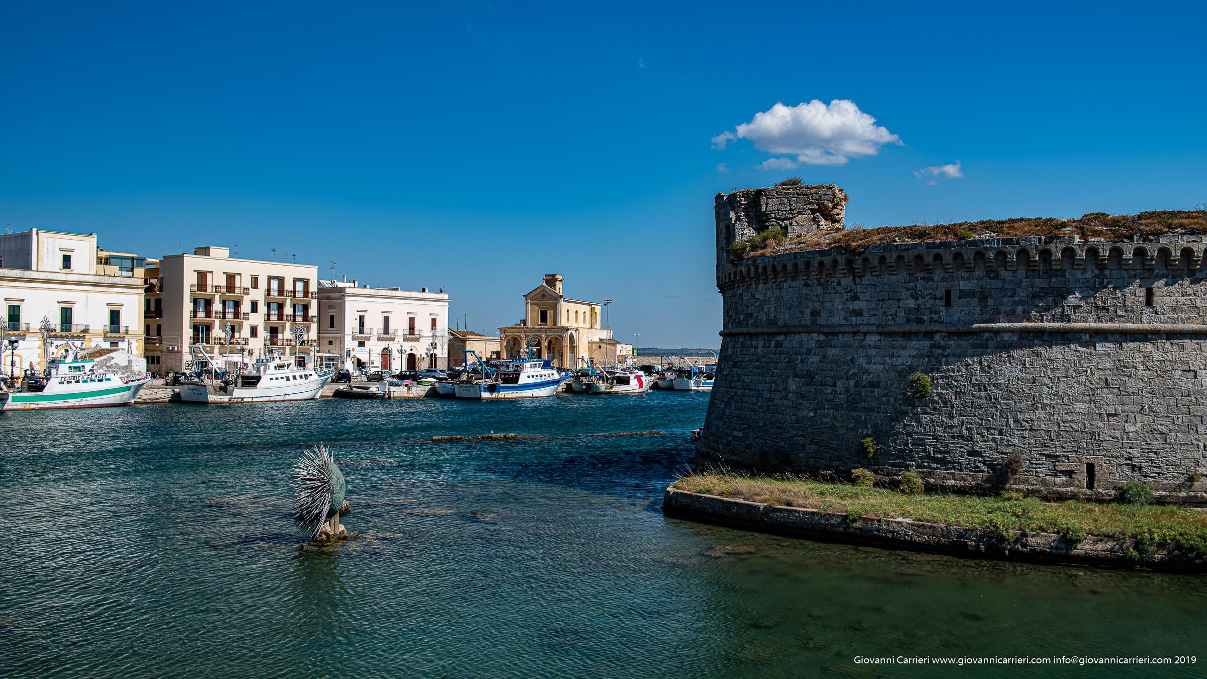 Il Castello Angioino di Gallipoli e la Chiesa di Maria SS del Canneto