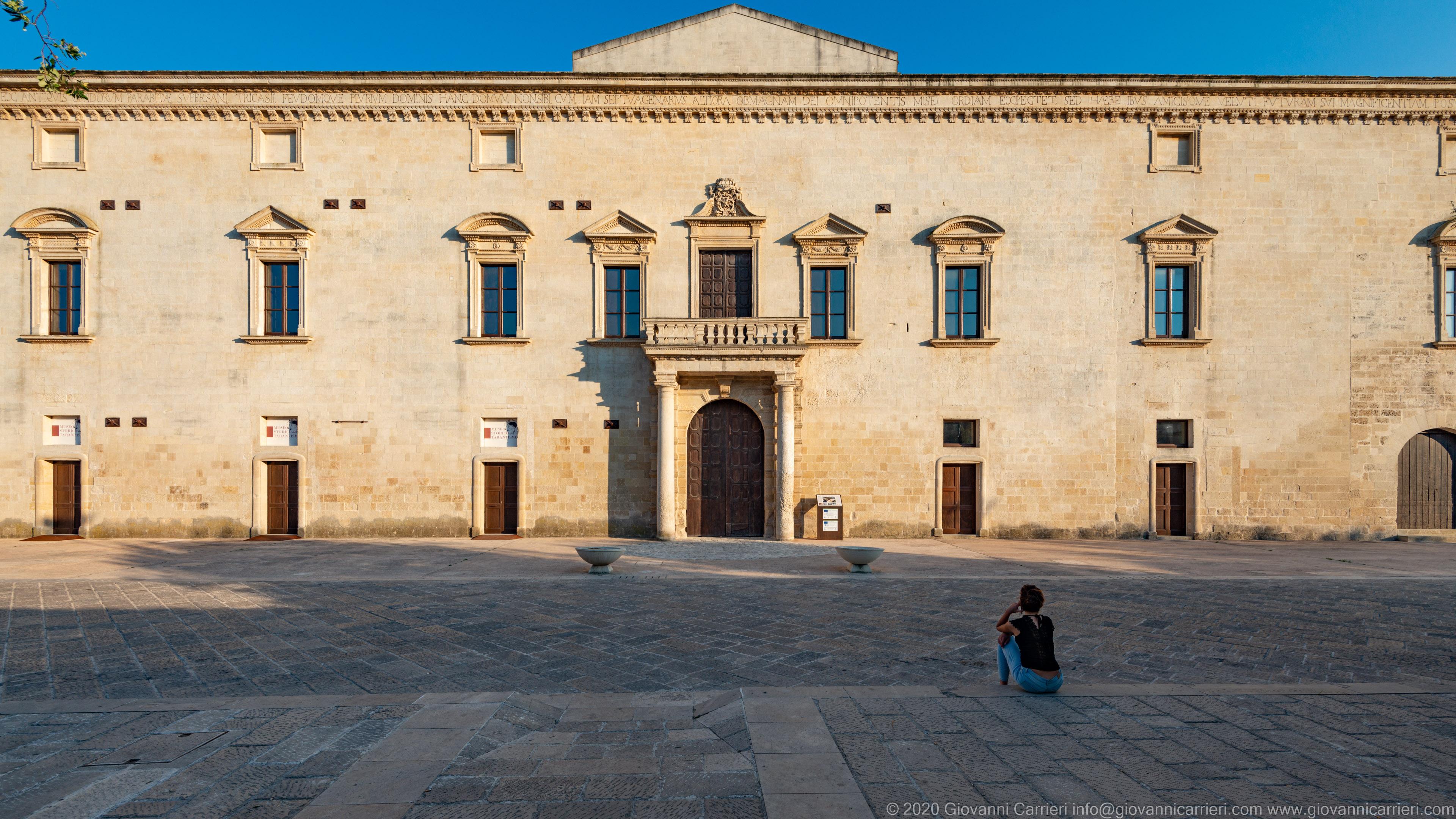 Palazzo Marchesale Vista frontale del Palazzo Marchesale Castriota, risalente al 1636, di gusto rinascimentale.