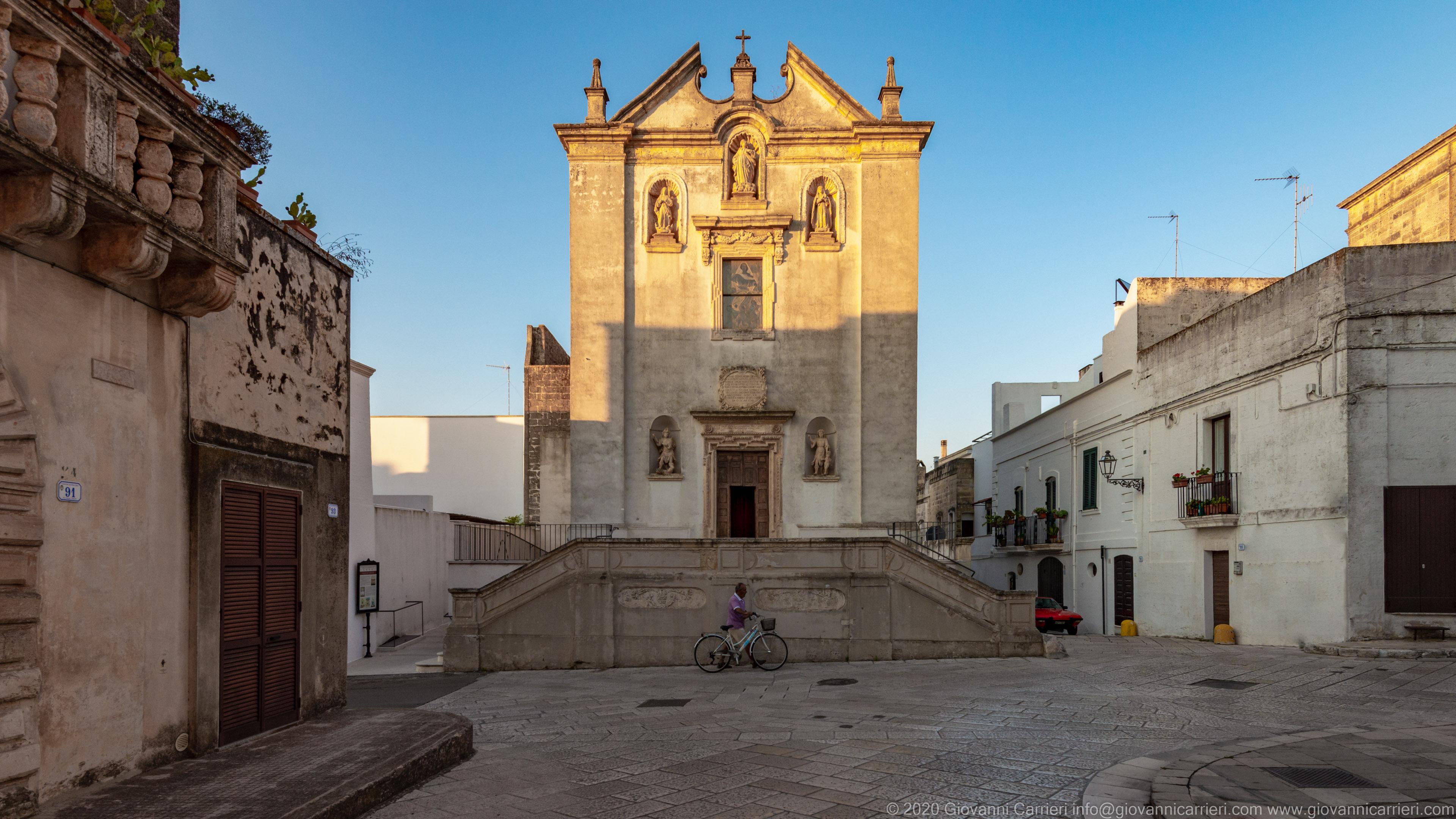 Chiesa Madonna dell'Assunta Nel centro storico di Specchia, è ubicata la Chiesa Madonna dell'Assunta, di costruzione seicentesca, è situata nei pressi dell'antica Porta del Foggiaro o Porta Lecce.