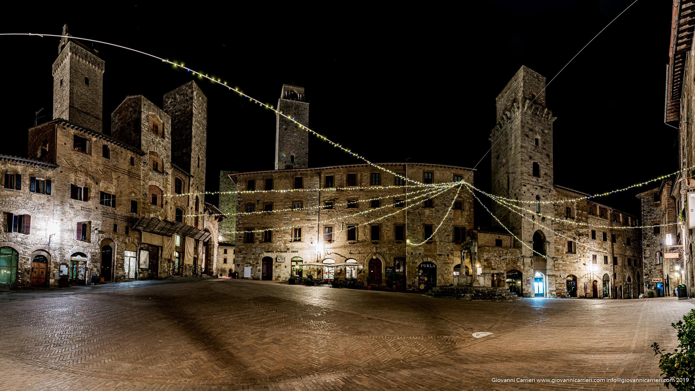 Il centro cittadino di San Gimignano, piazza della Cisterna