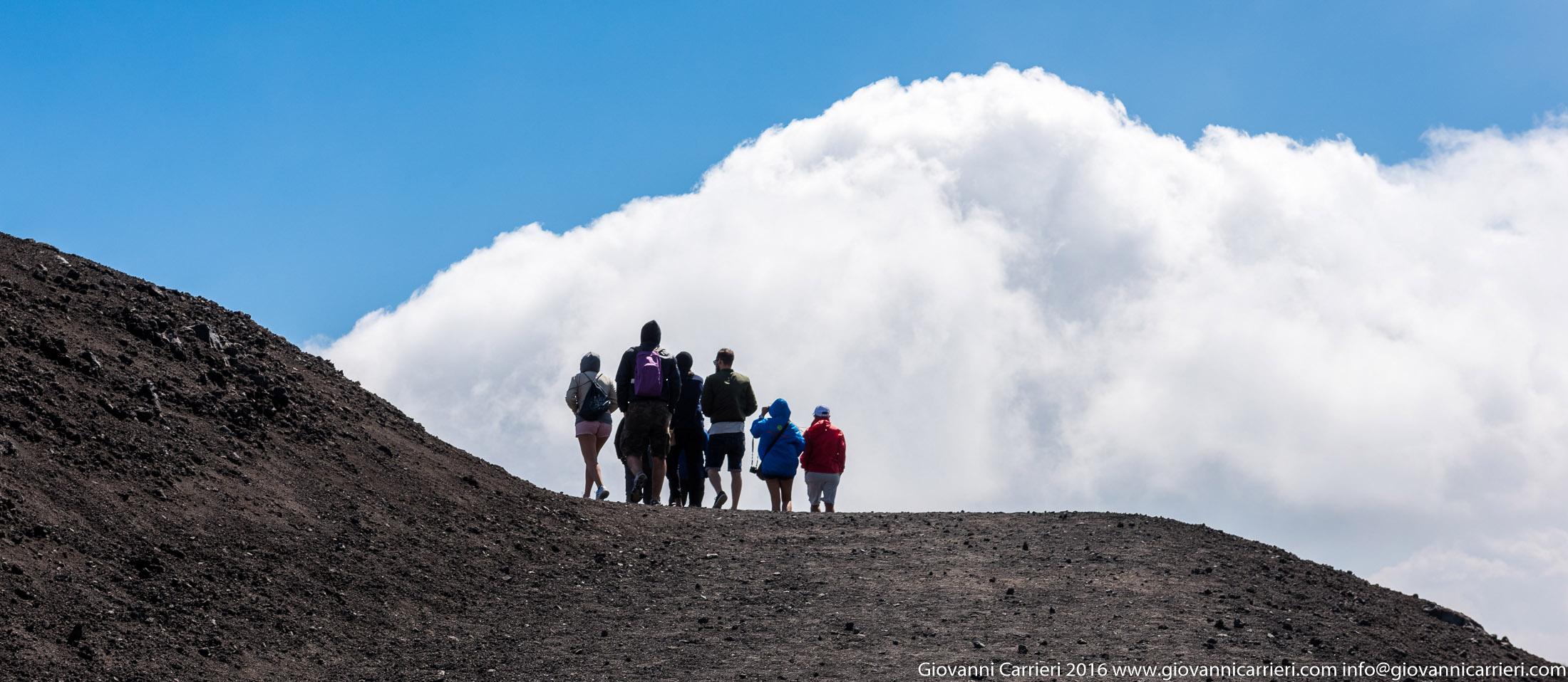 Passeggiando tra le nuvole ed il Vulcano Etna
