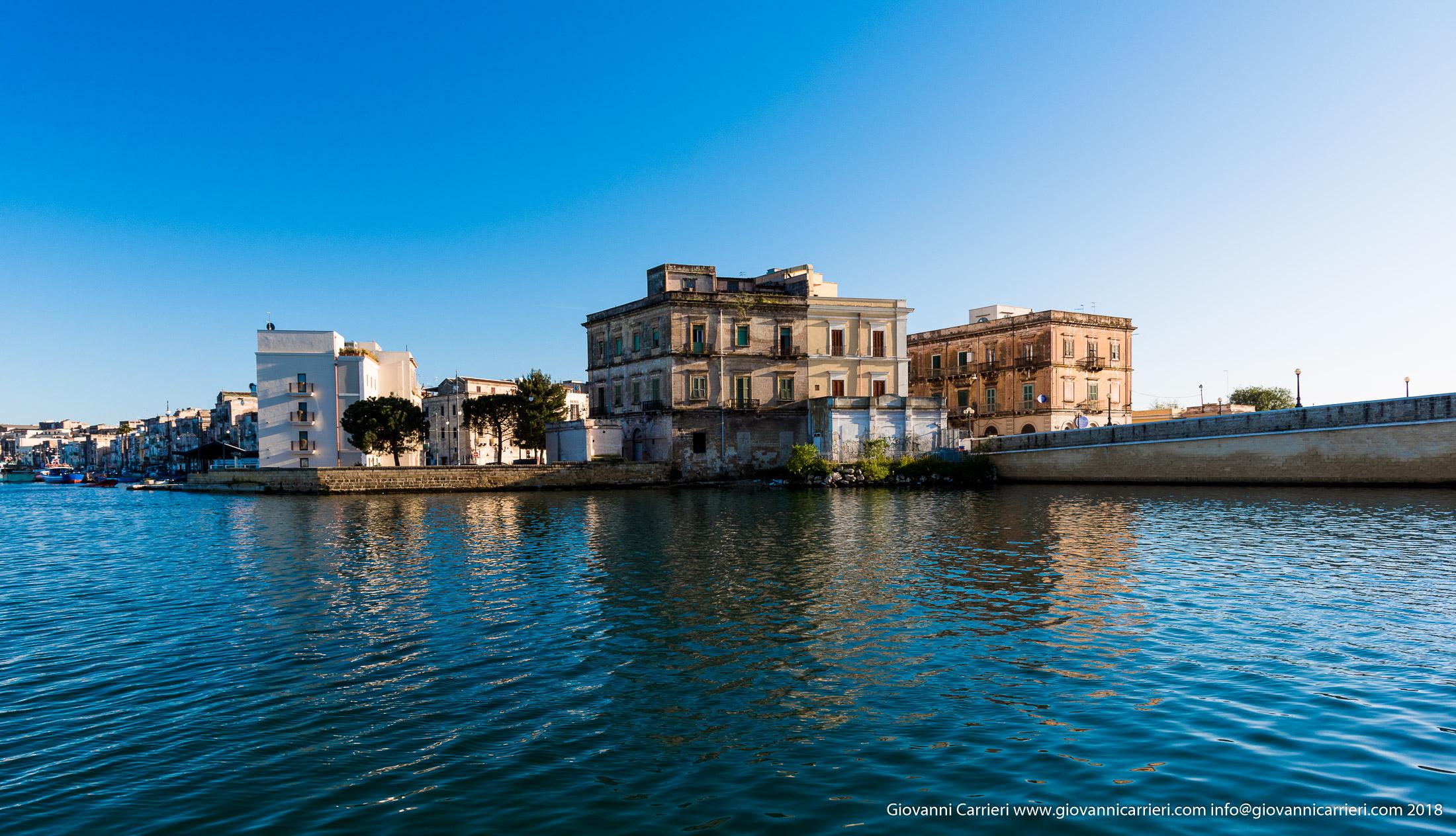 Vista della città vecchia di Taranto