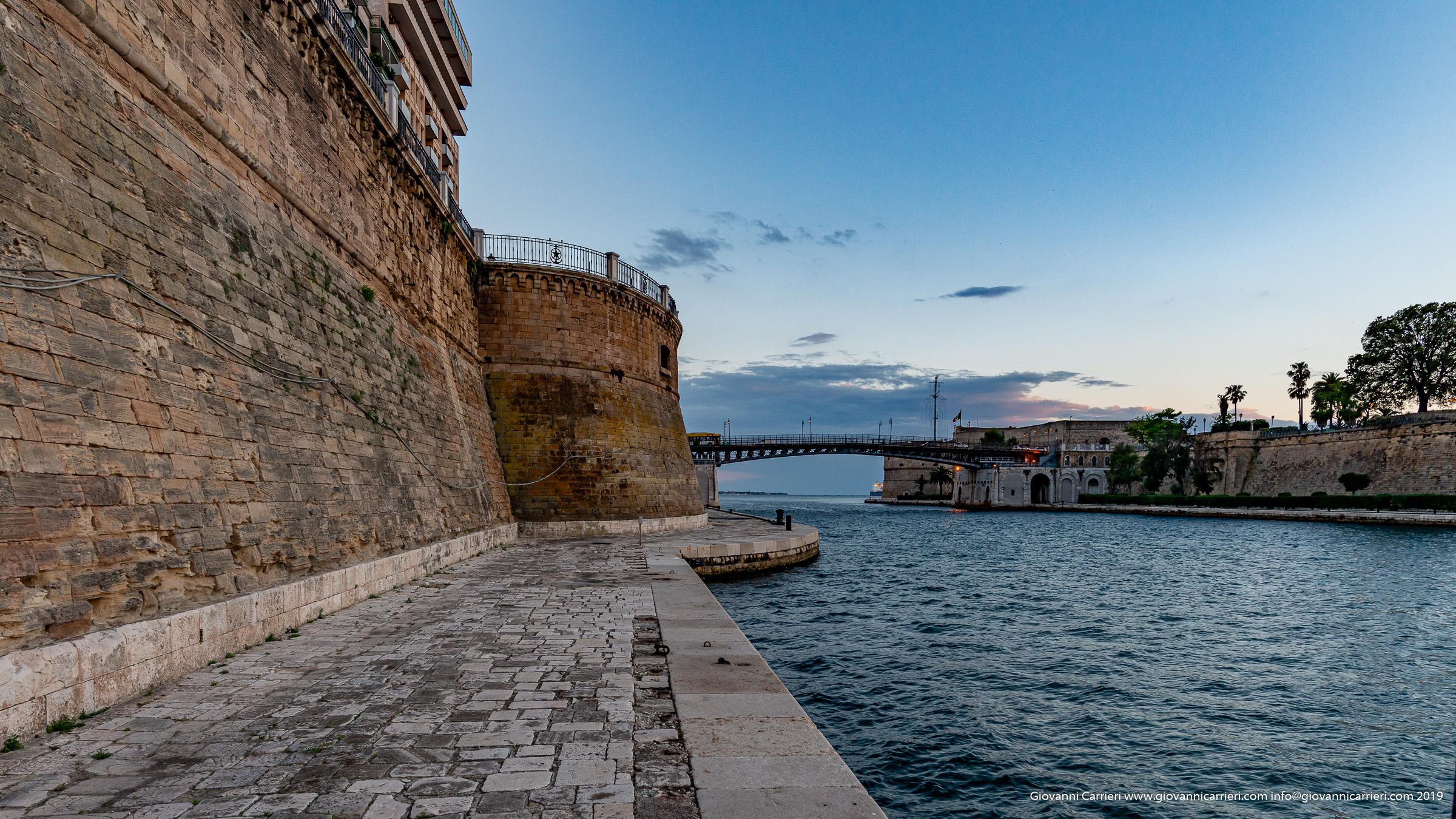 "Il ponte San Francesco da Paola ""girevole"", Taranto."