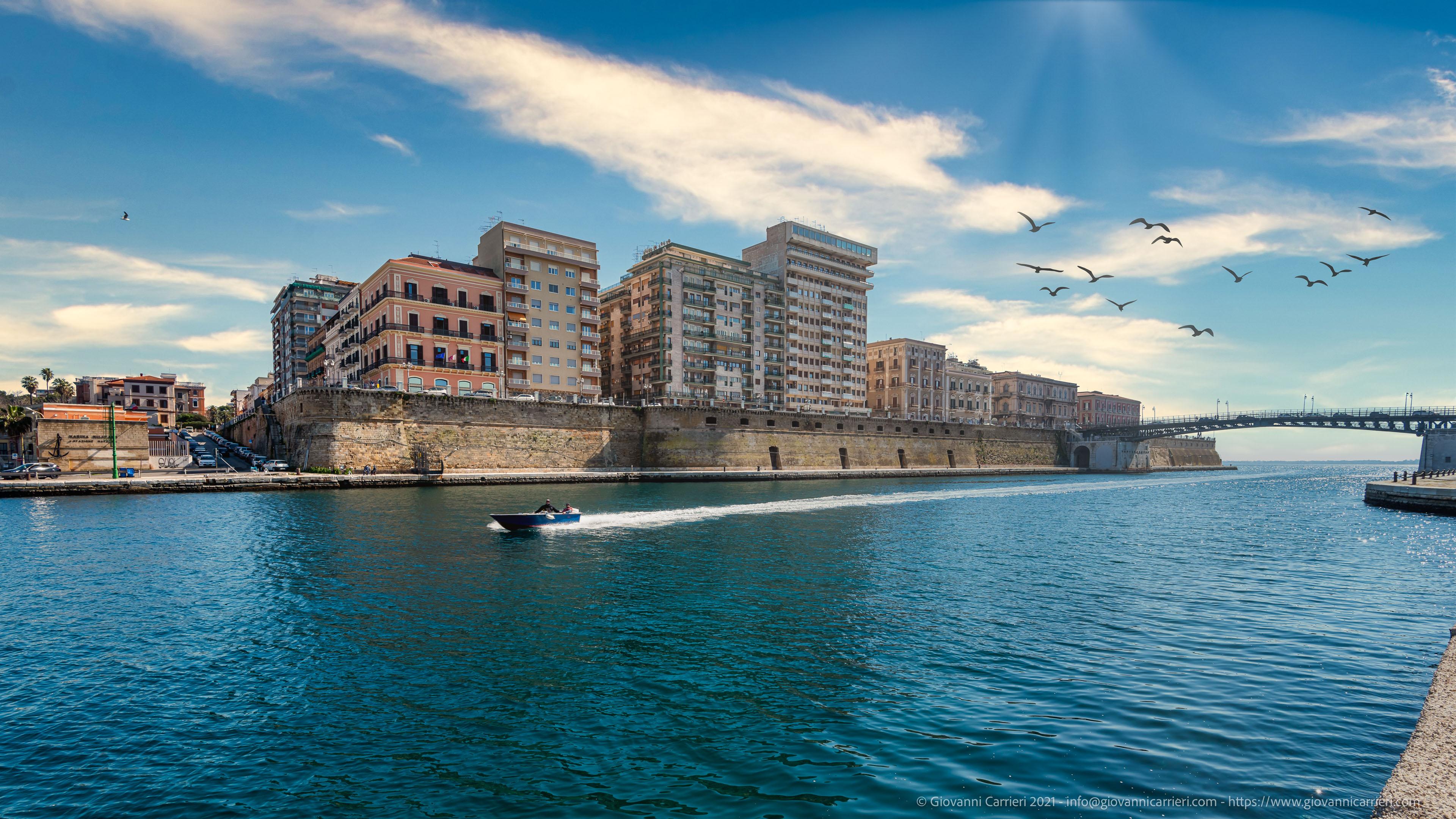 Taranto, Scesa Vasto Il panorama della città di Taranto visto dalla Scesa Vasto
