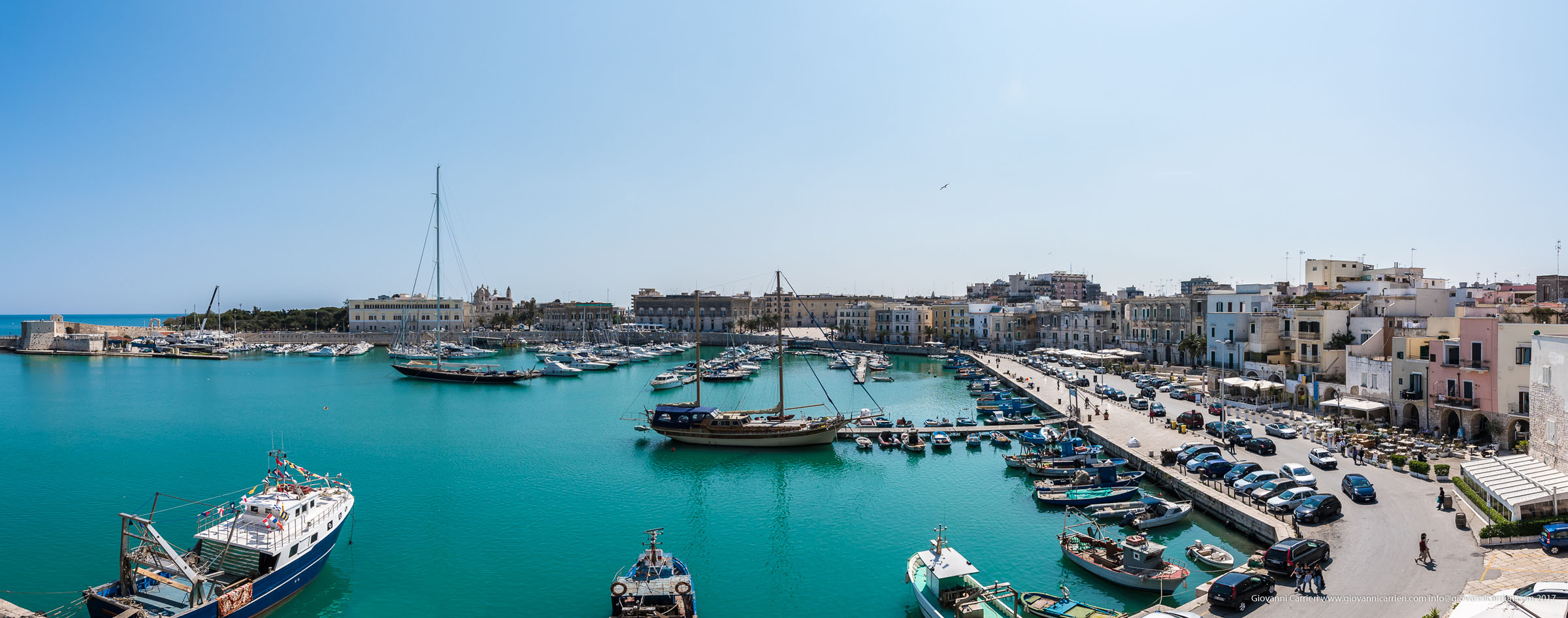 Panoramica del porto di Trani