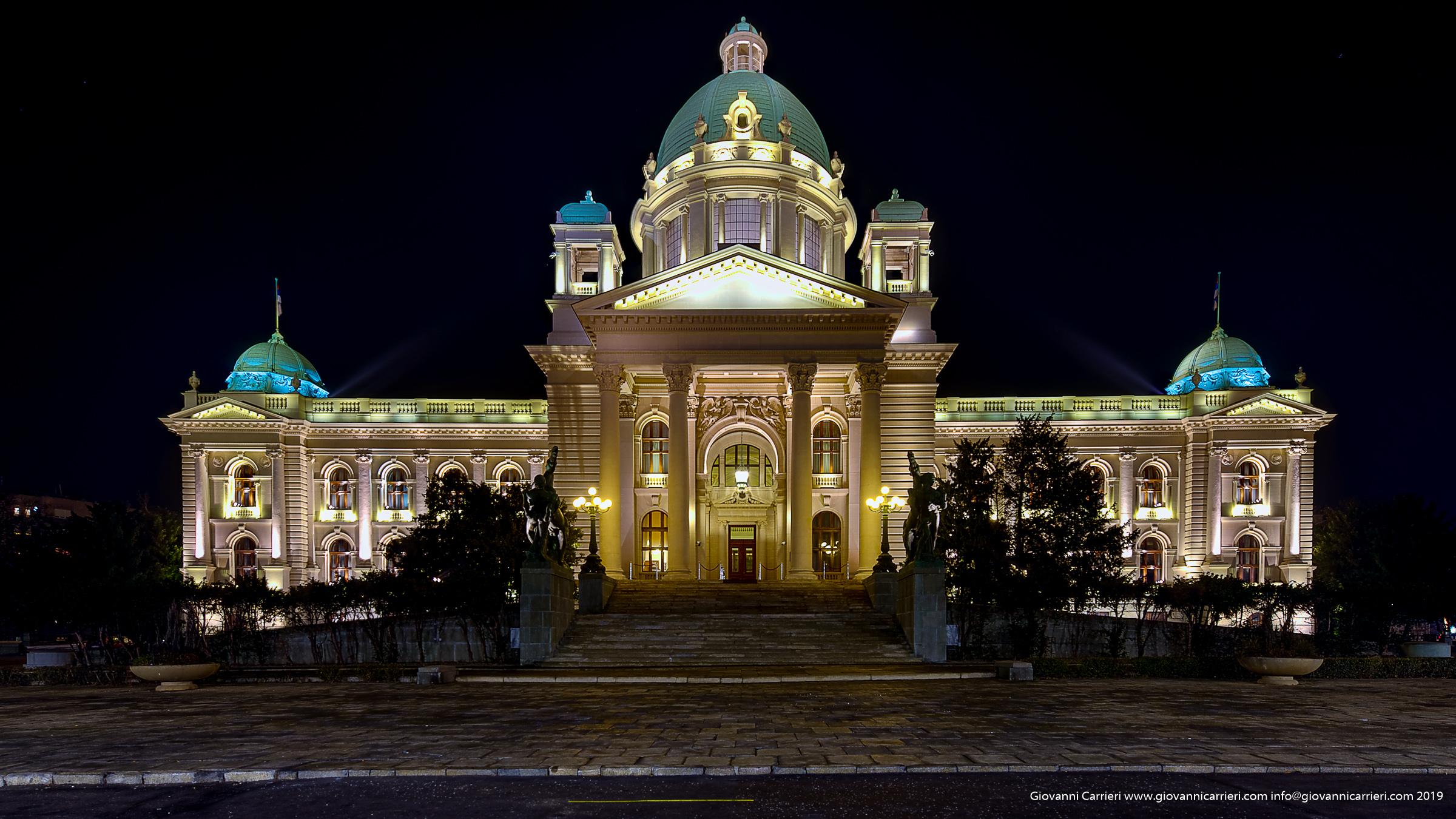 La sede del palamento serbo a Belgrado