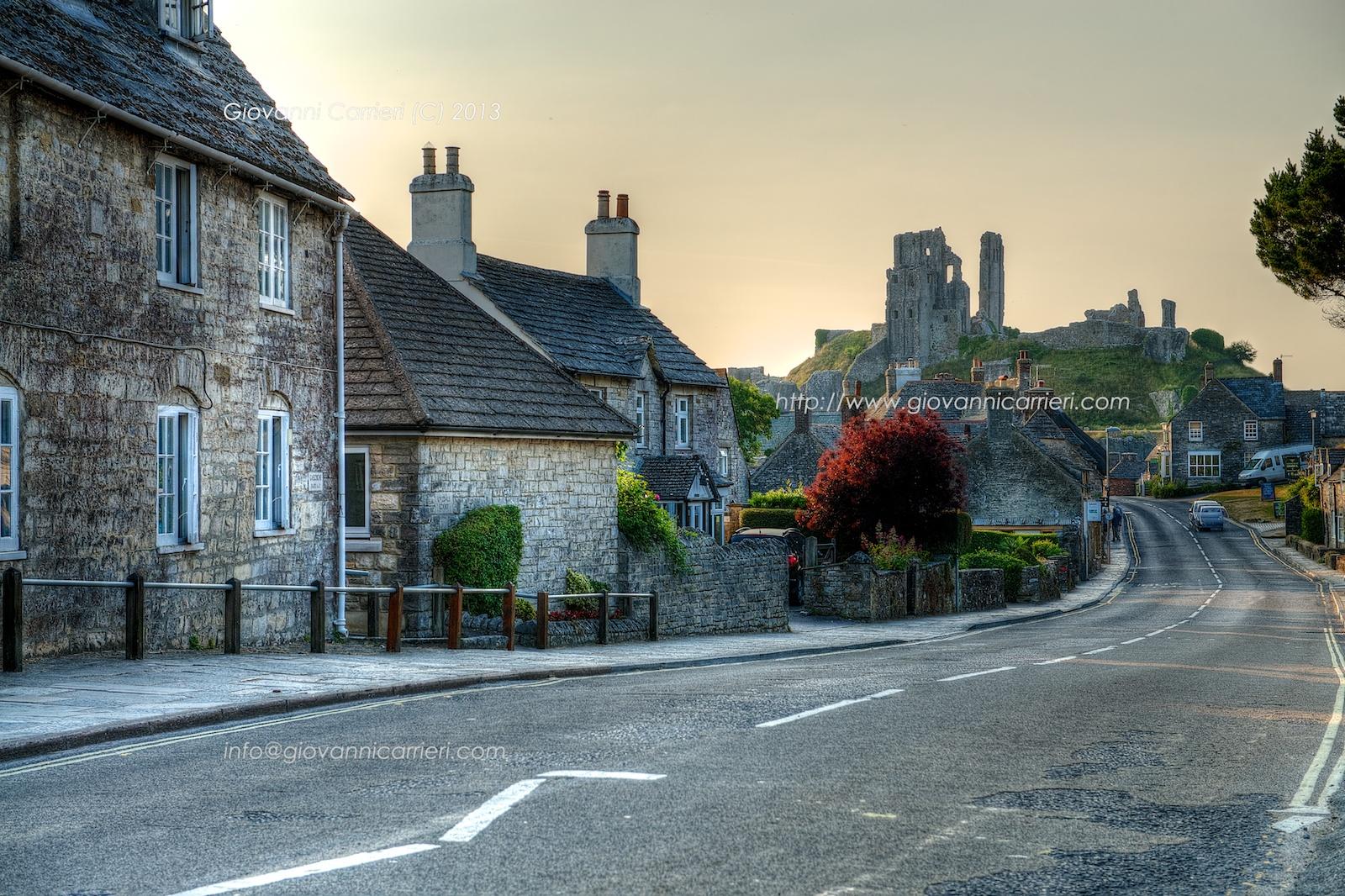 Vista del villaggio di Corfe