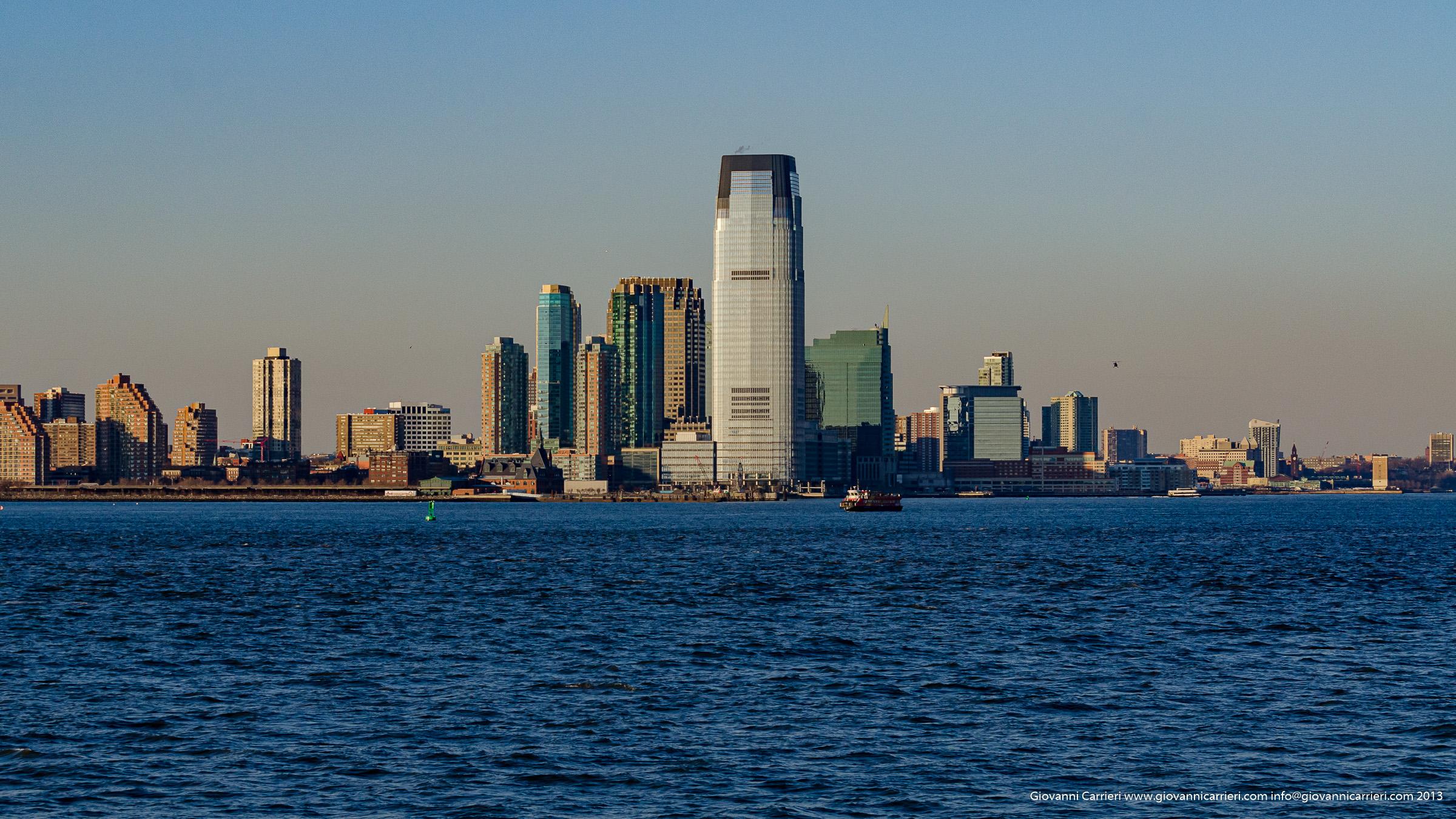 Jersey City vista dal mare