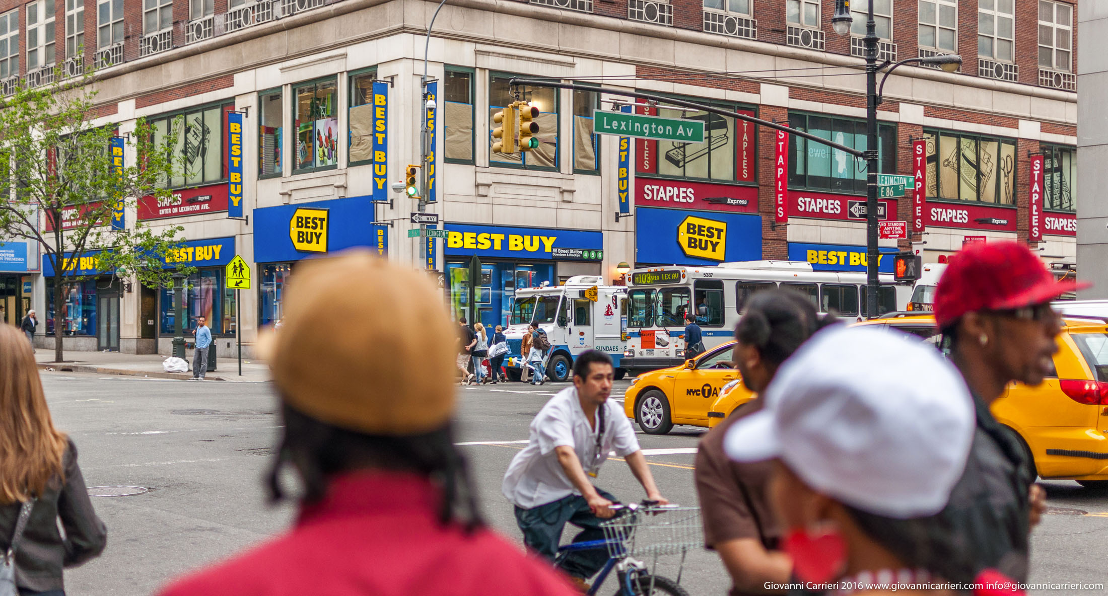 La Lexington Avenue ed i Suoi Negozi Best Buy